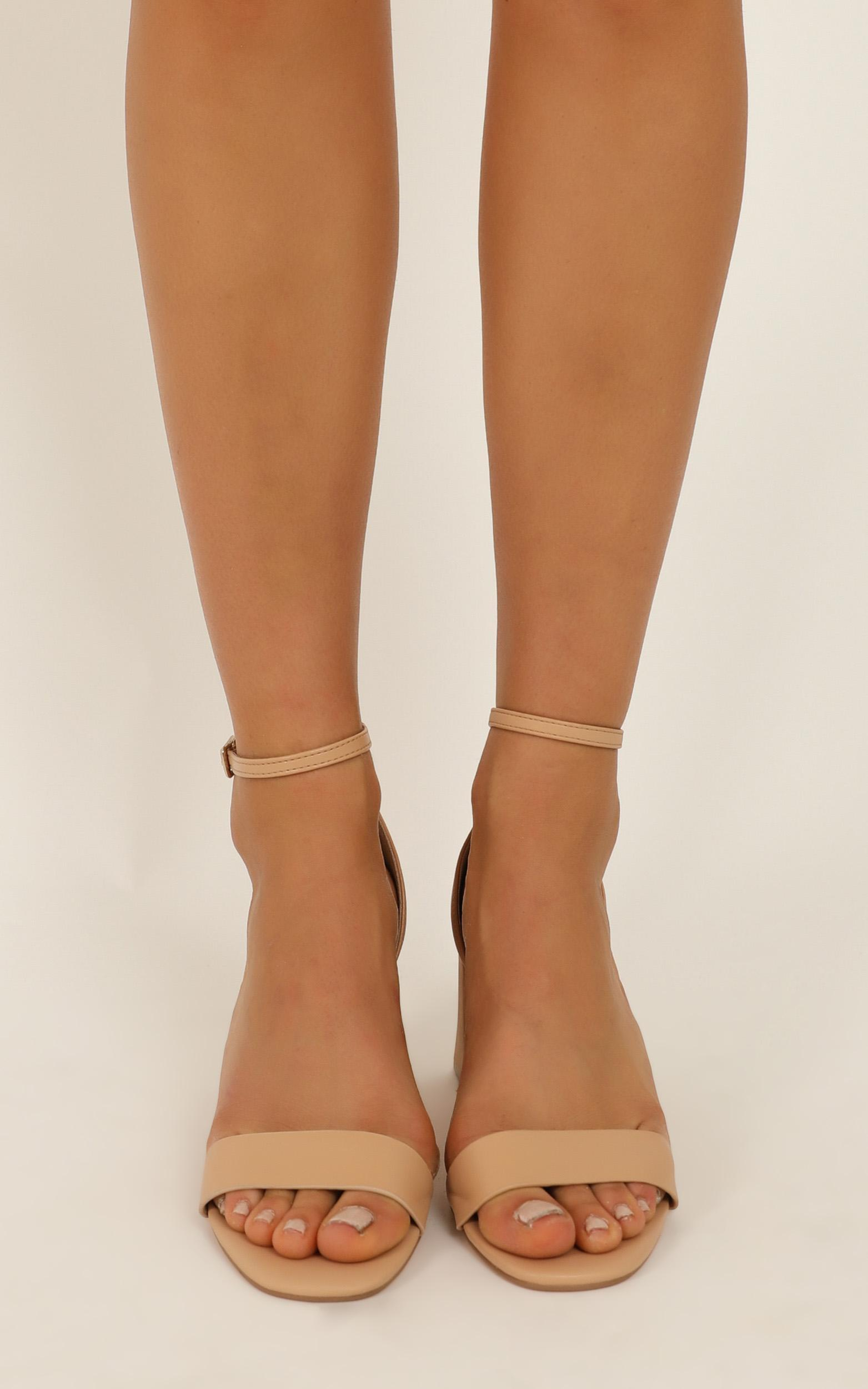 Verali - Indi heels in nude smooth - 10, Beige, hi-res image number null