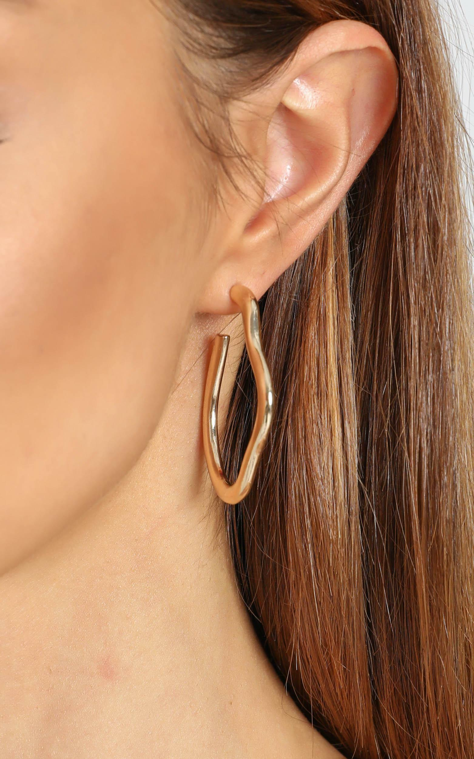 Benny Earrings in Gold, Gold, hi-res image number null