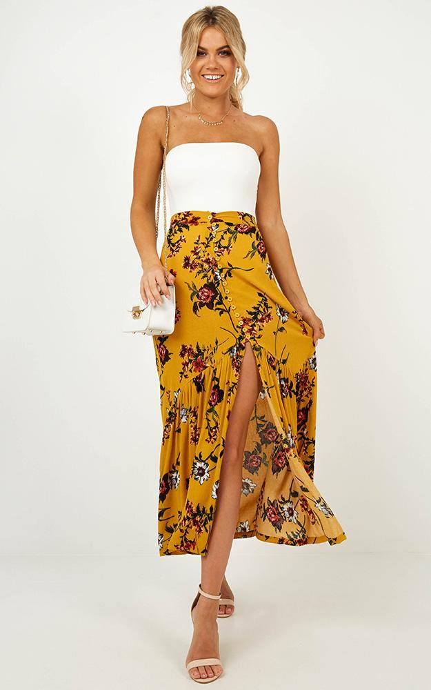 Perfect Duo skirt in mustard floral - 14 (XL), Yellow, hi-res image number null