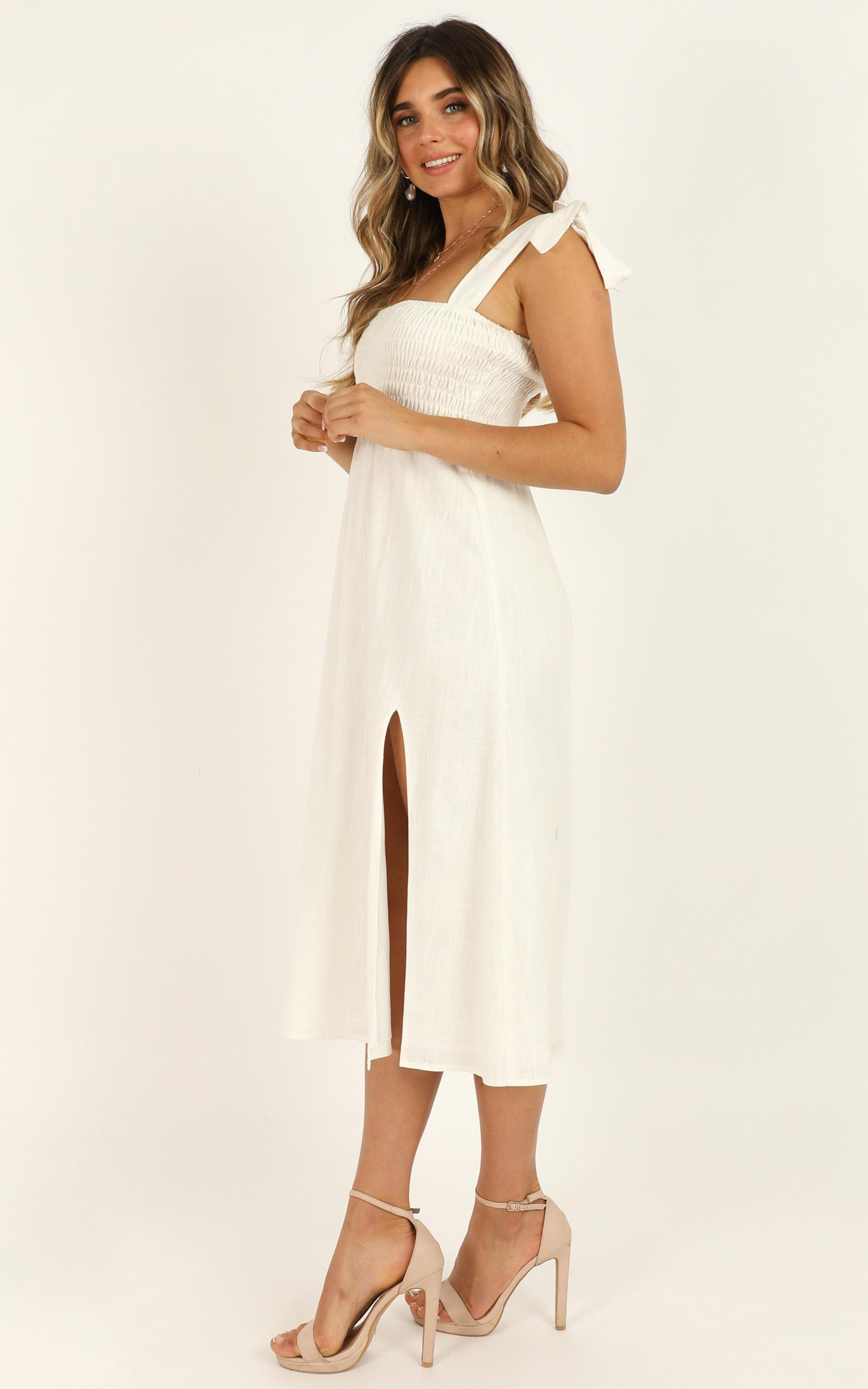 Untamed Dress in white linen - 20 (XXXXL), White, hi-res image number null