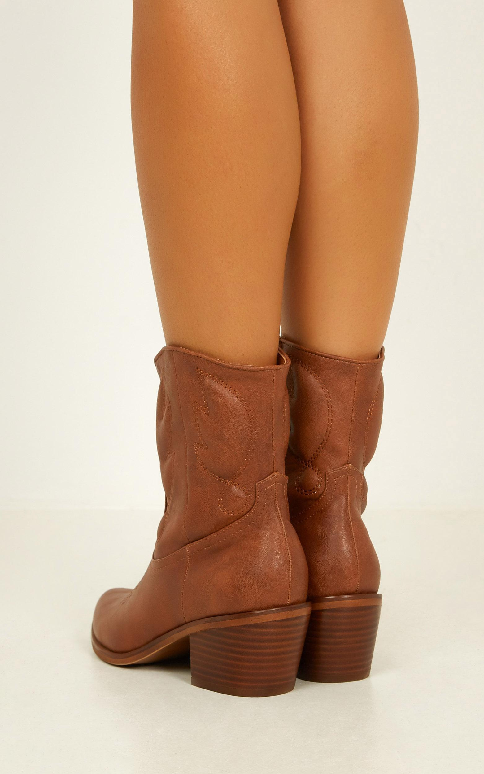 Therapy - Gibson Boots in tan - 10, Tan, hi-res image number null