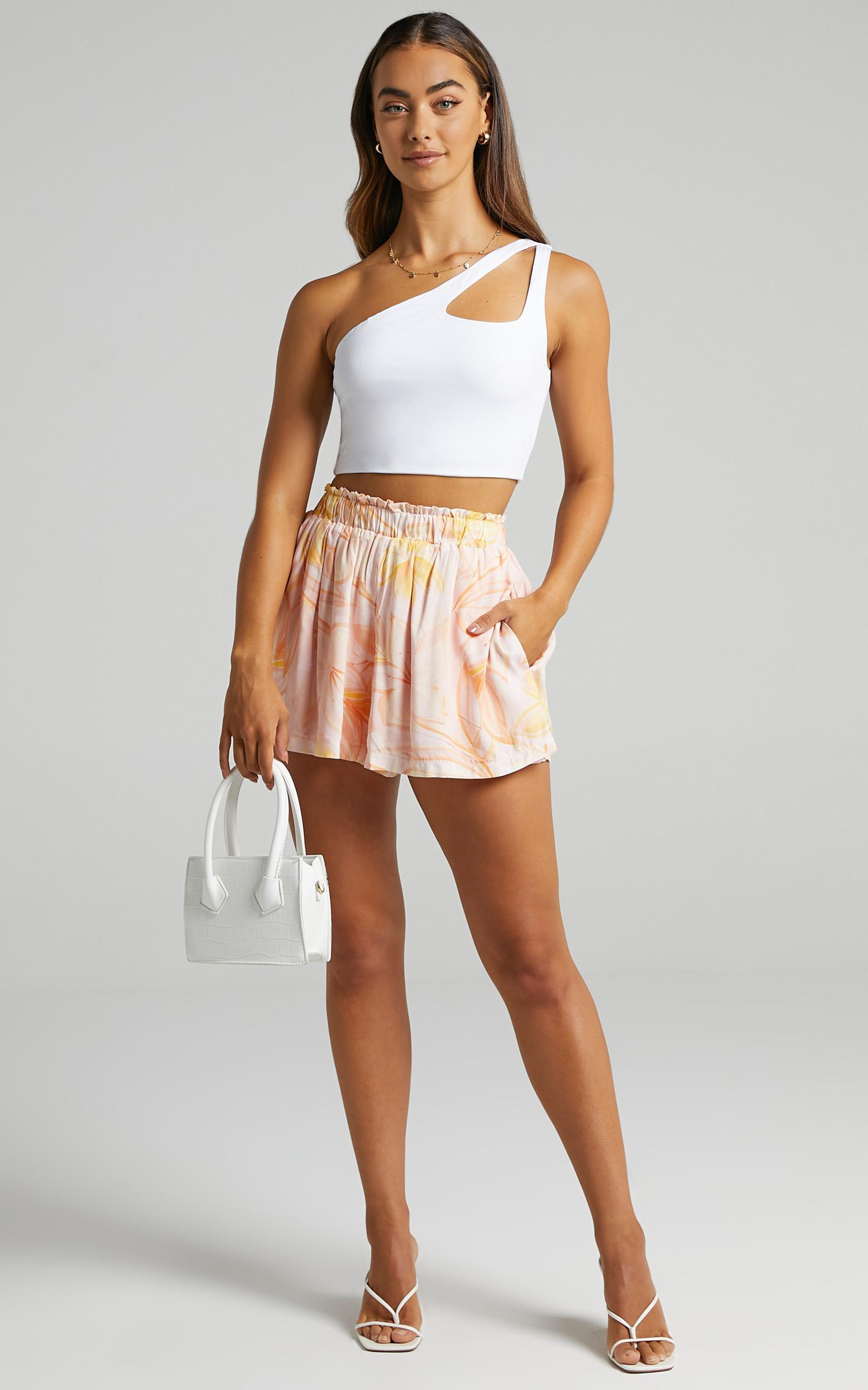 Banbury Shorts in Summer Floral - 6 (XS), Pink, hi-res image number null