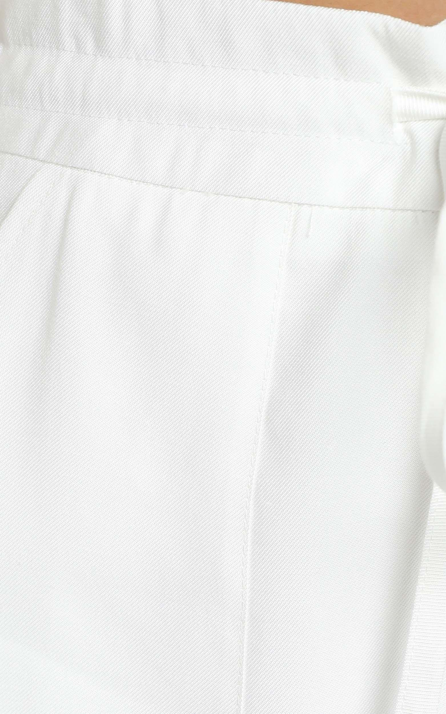 Simmons Shorts in White - 12 (L), White, hi-res image number null