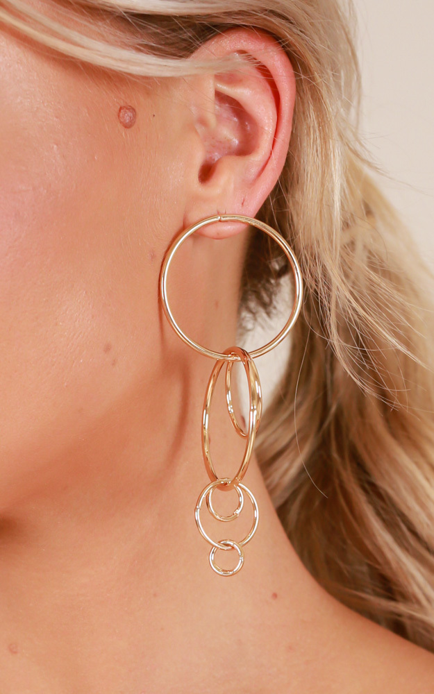 Walk On Water earrings in gold, Gold, hi-res image number null