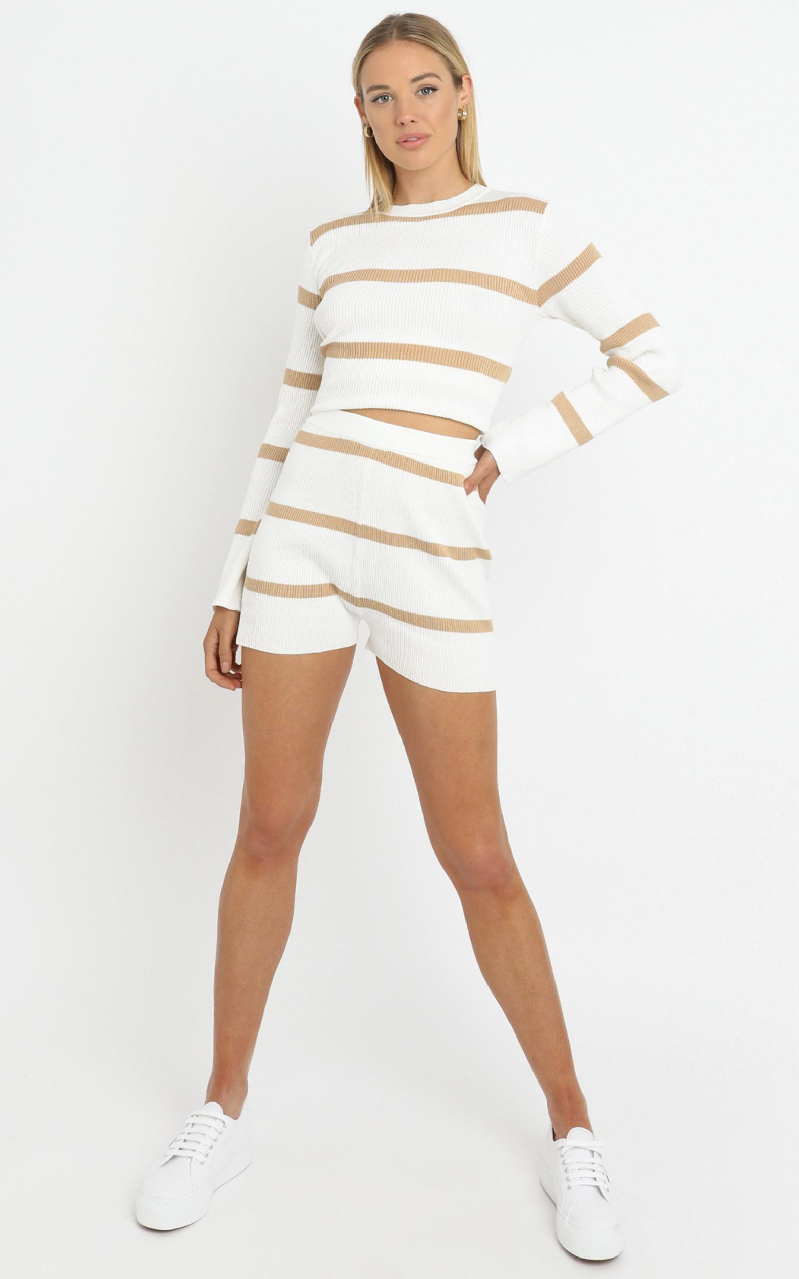 Jennings Knit Two Piece Set Beige Stripe - L/XL, White, hi-res image number null