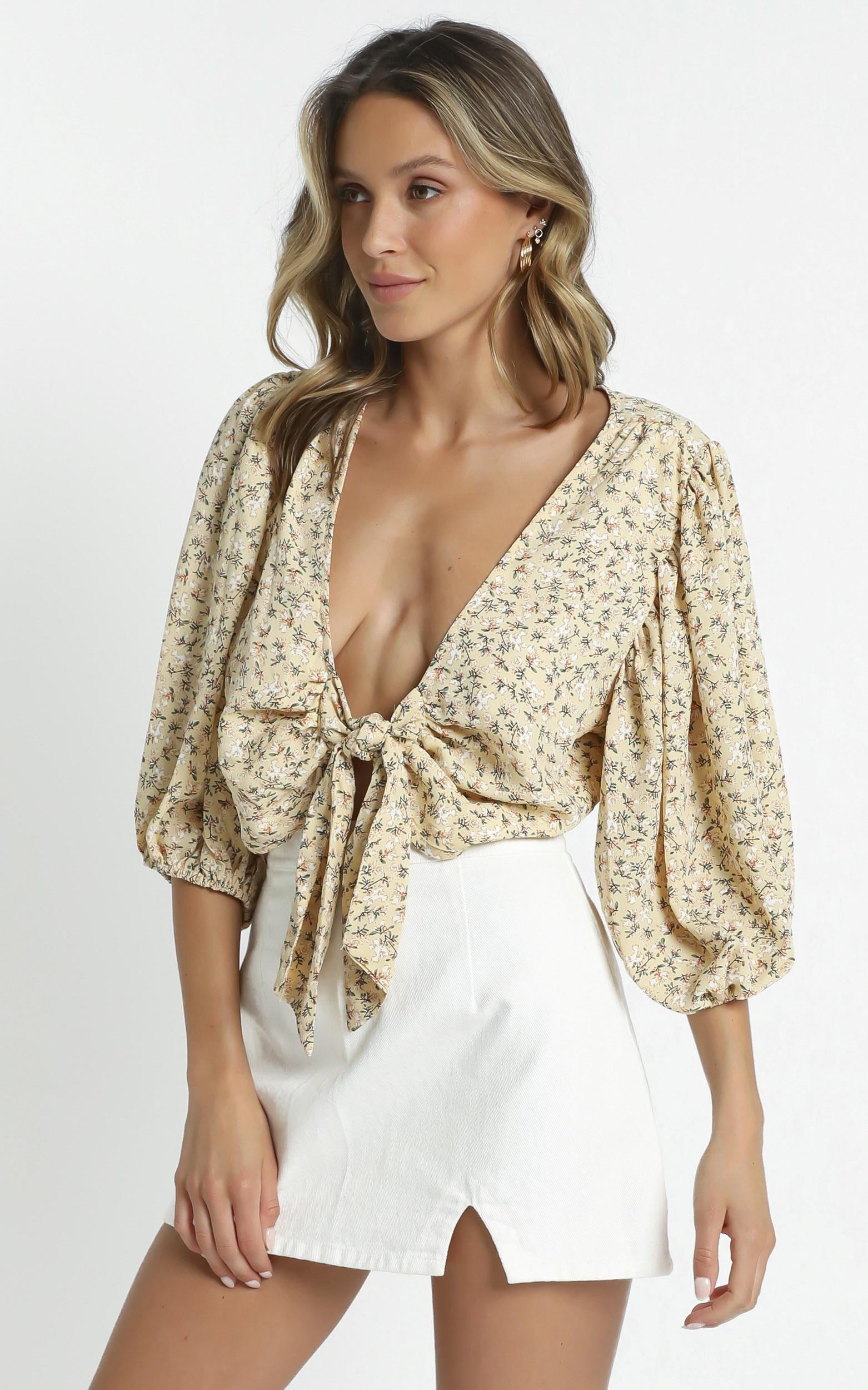 Fleur Top in Yellow Floral - 12 (L), Yellow, hi-res image number null