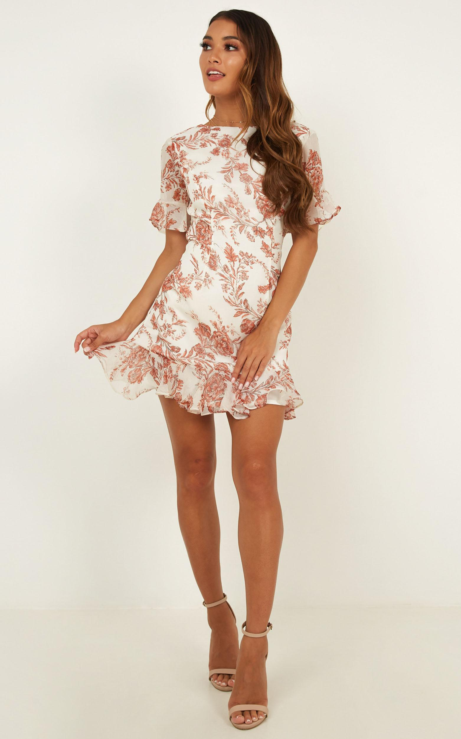 Nice Moves Dress In Cream Floral - 14 (XL), Cream, hi-res image number null