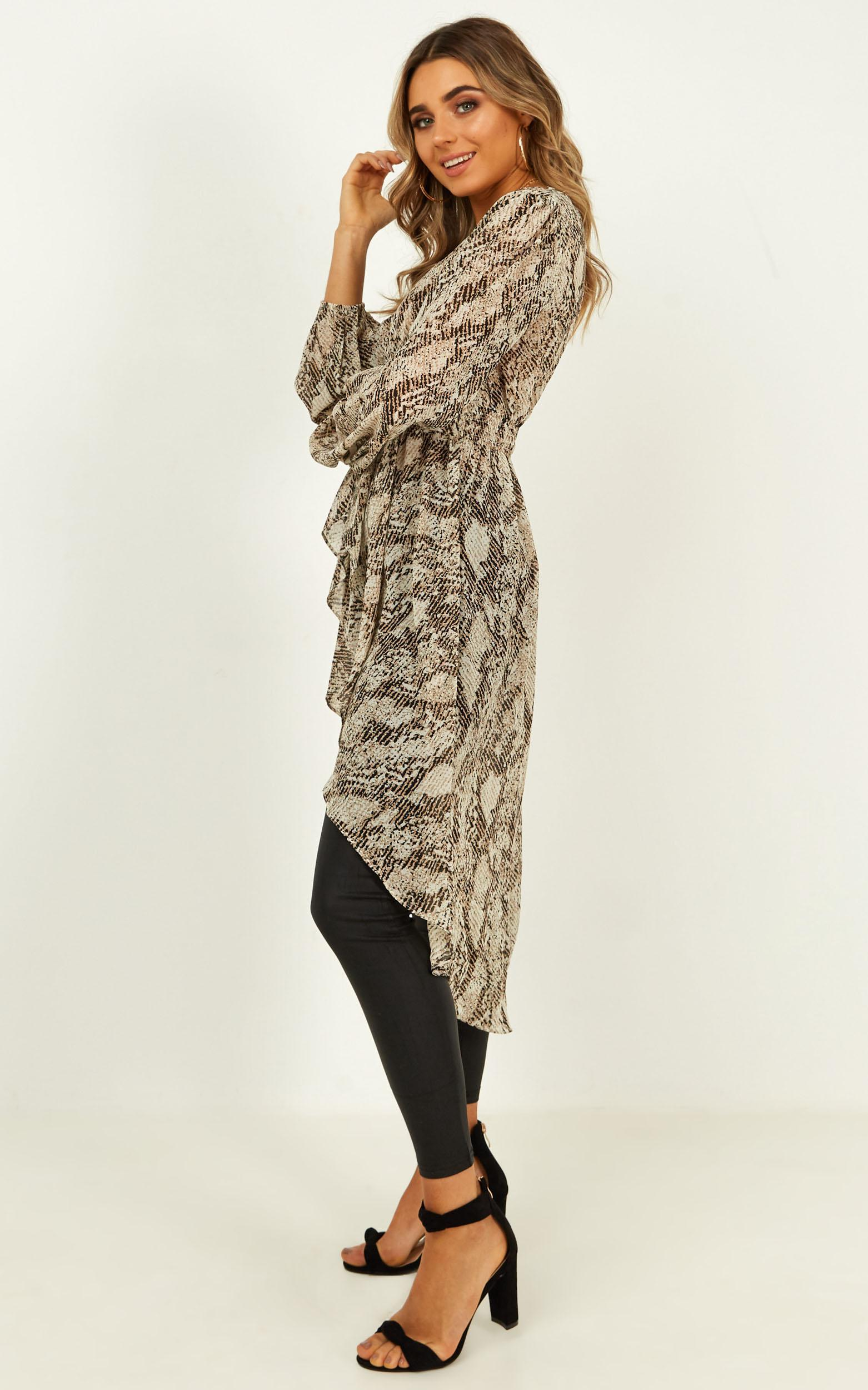 Easy To Forget top in snake print - 14 (XL), Grey, hi-res image number null
