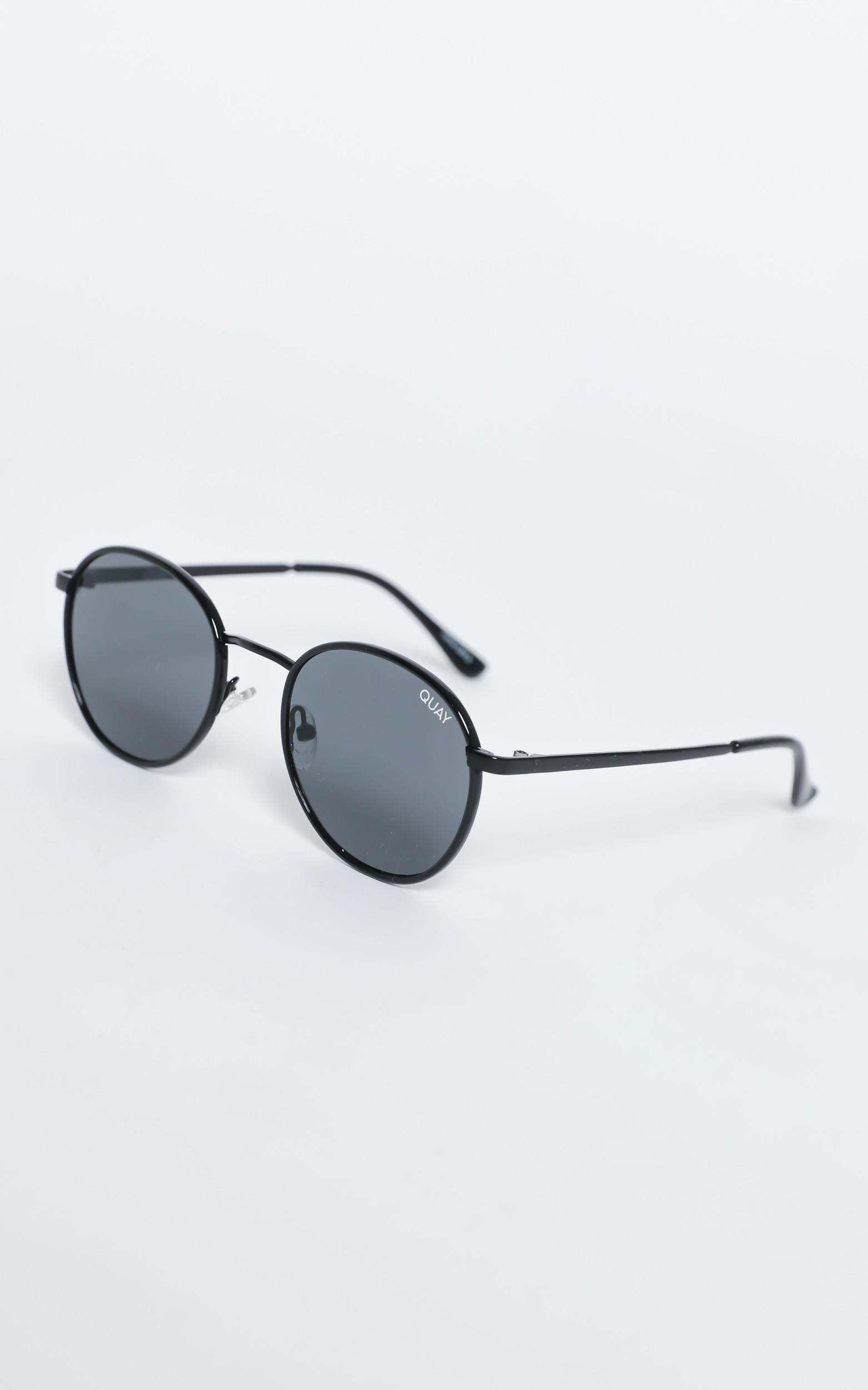 Quay - Omen Sunglasses in Black / Smoke, , hi-res image number null