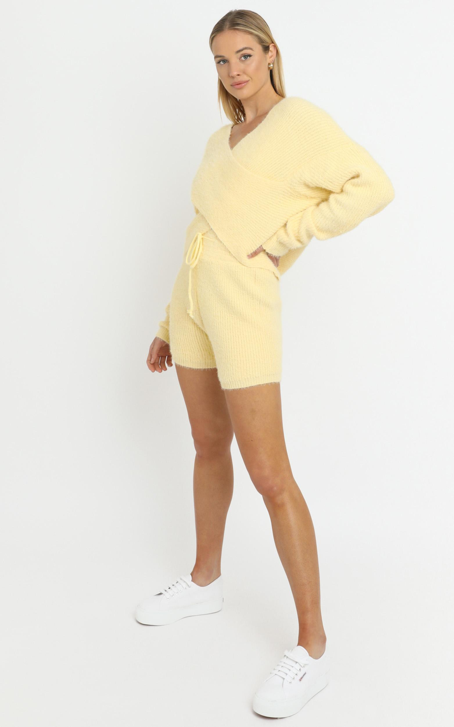 Cameron Two Piece Set in Yellow - M/L, Yellow, hi-res image number null