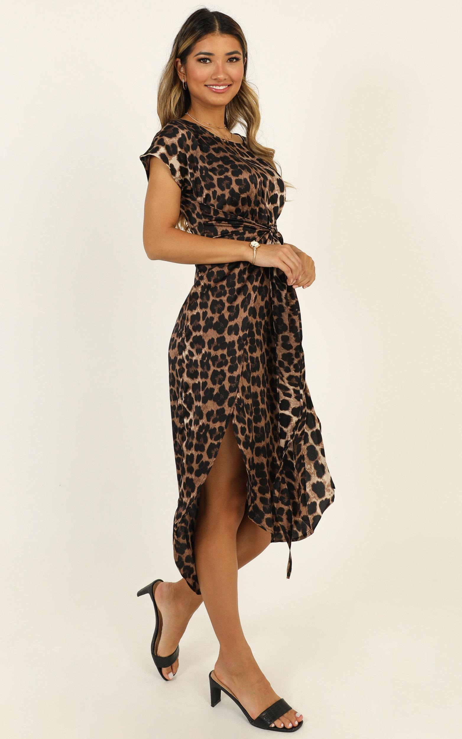 Woman In Power Dress in leopard print - 20 (XXXXL), Mocha, hi-res image number null