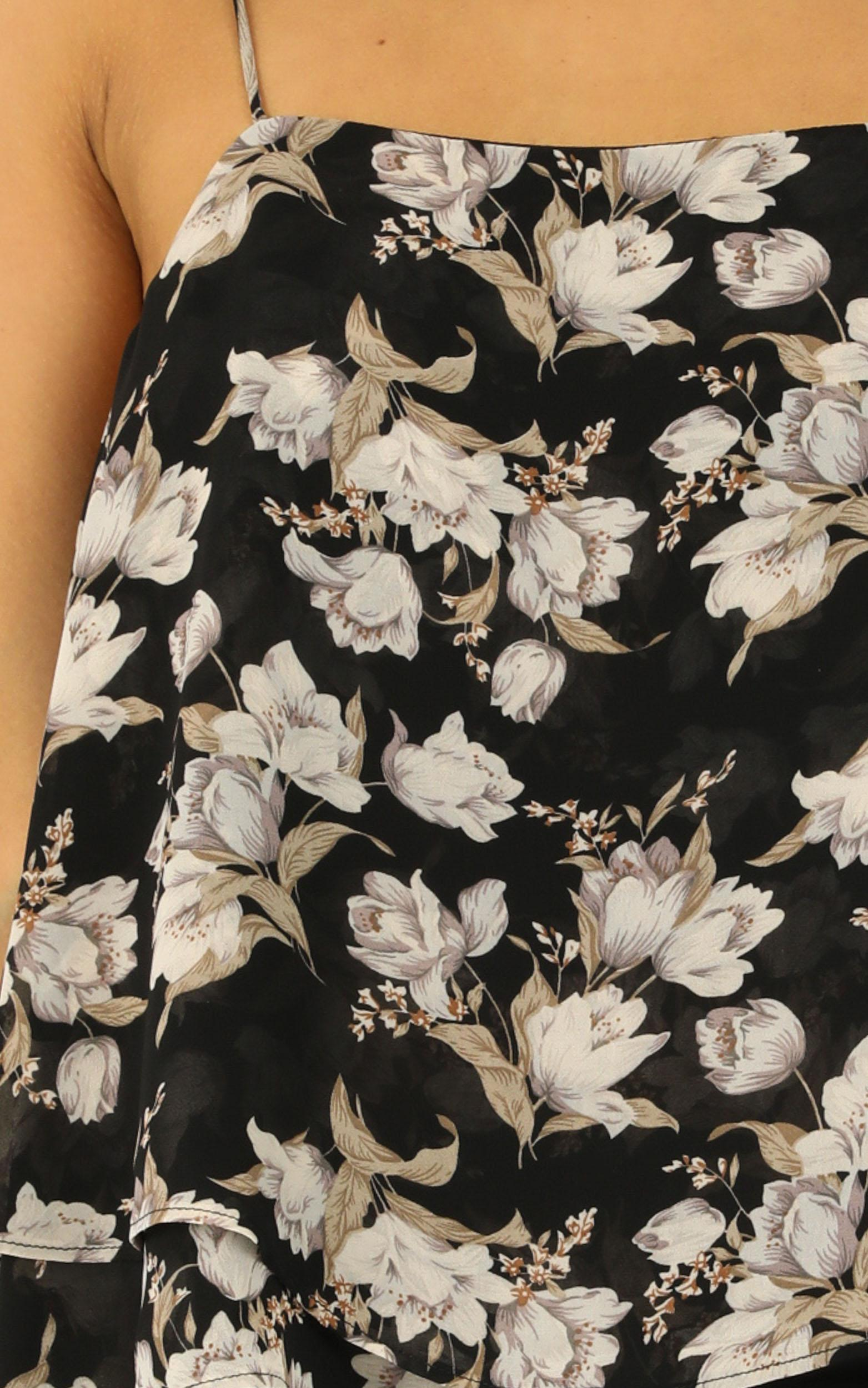 Wanna Be Found Top In black floral - 12 (L), Black, hi-res image number null