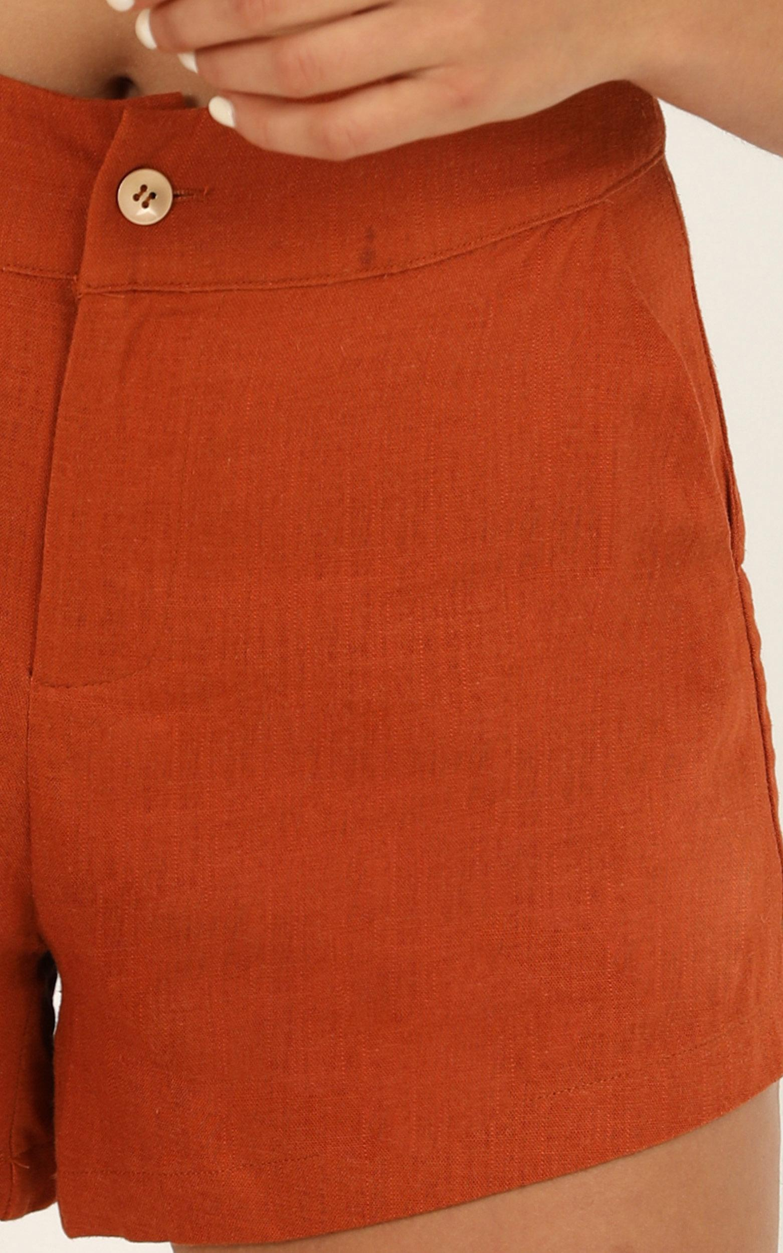 Still Entertained shorts In rust linen look - 14 (XL), Rust, hi-res image number null