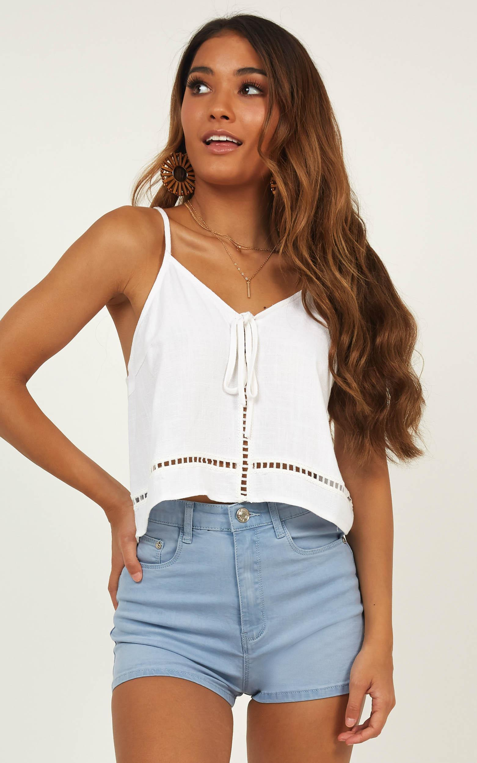 Supernova top in white - 12 (L), White, hi-res image number null