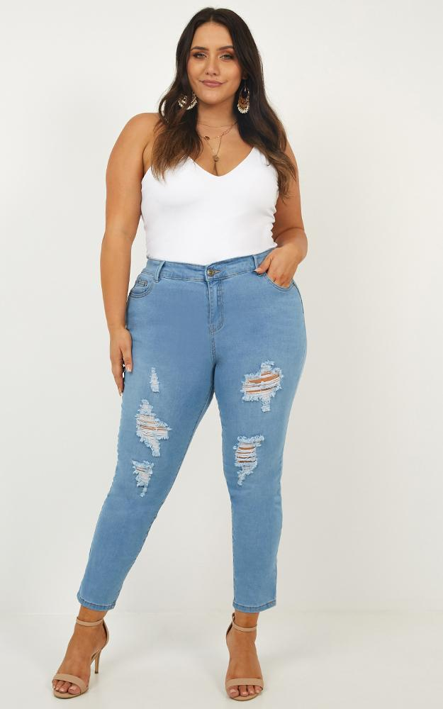 Patricia Skinny Jeans in light wash denim - 20 (XXXXL), Blue, hi-res image number null