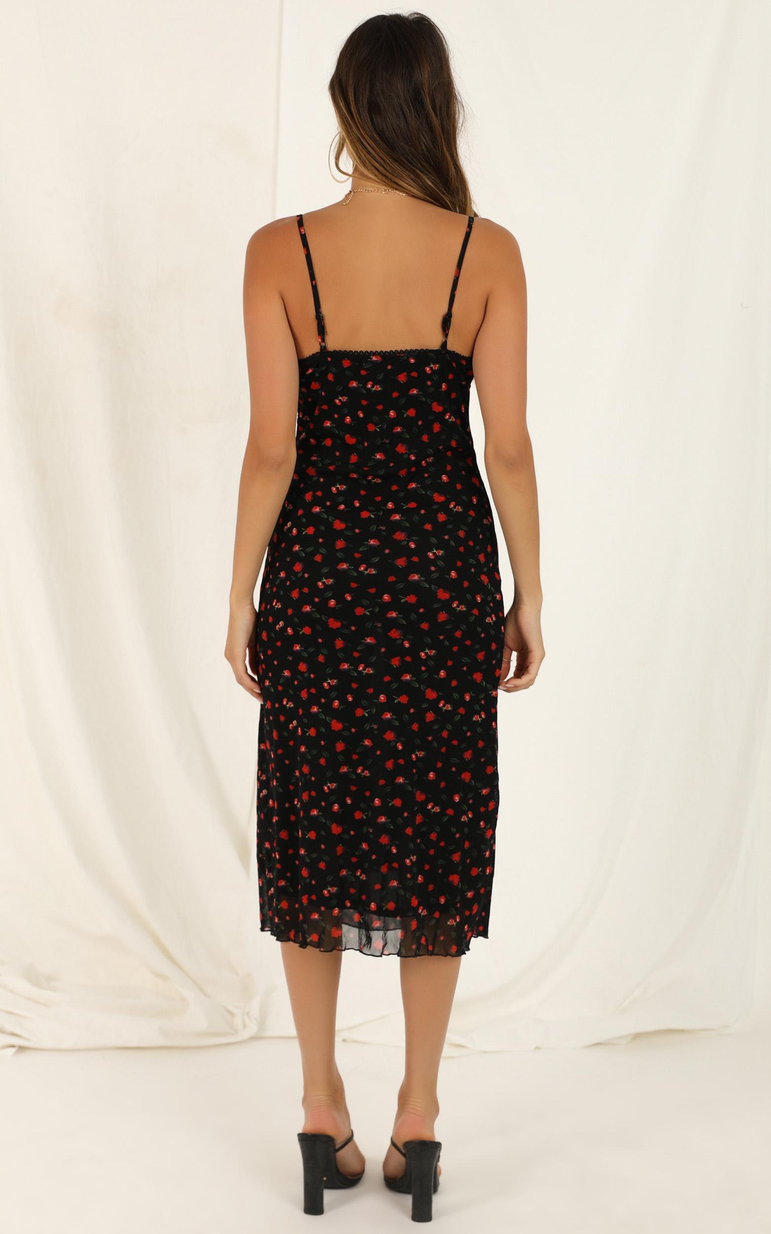 Floral Arrangement Dress In Black Floral - 16 (XXL), Black, hi-res image number null