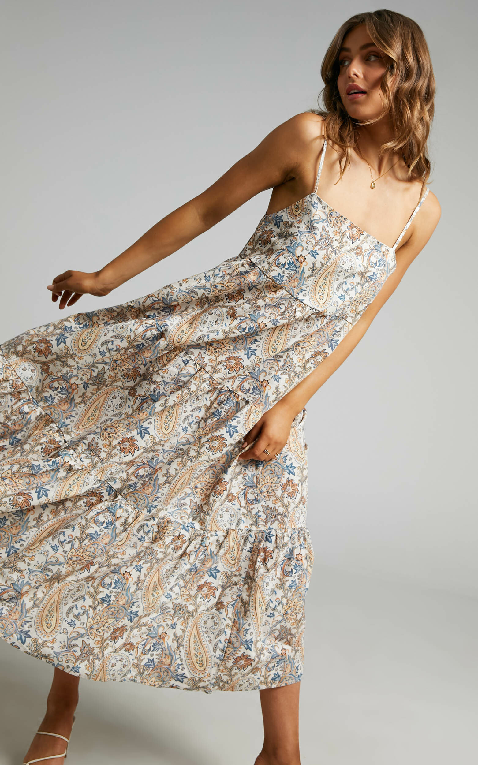 Charlie Holiday - Isabella Maxi Dress in Paisley - L, MLT1, hi-res image number null