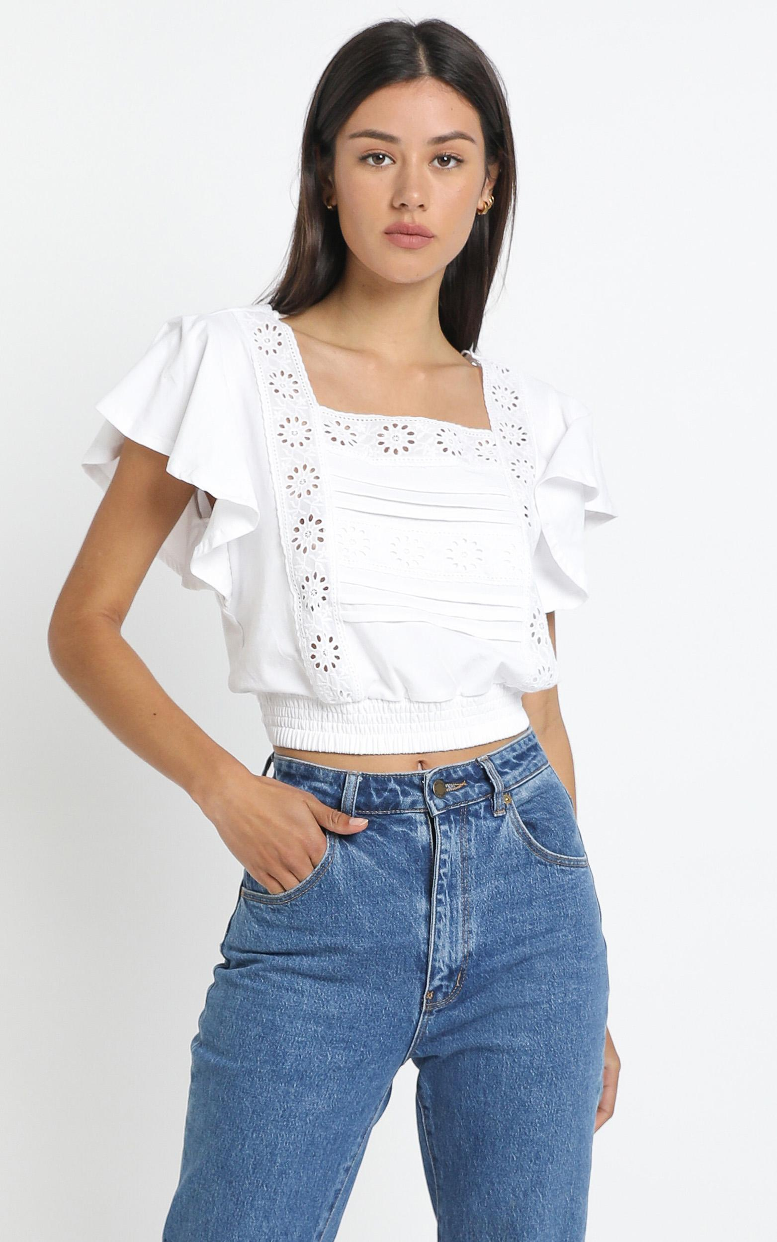 Heaton Top in White - 12 (L), White, hi-res image number null