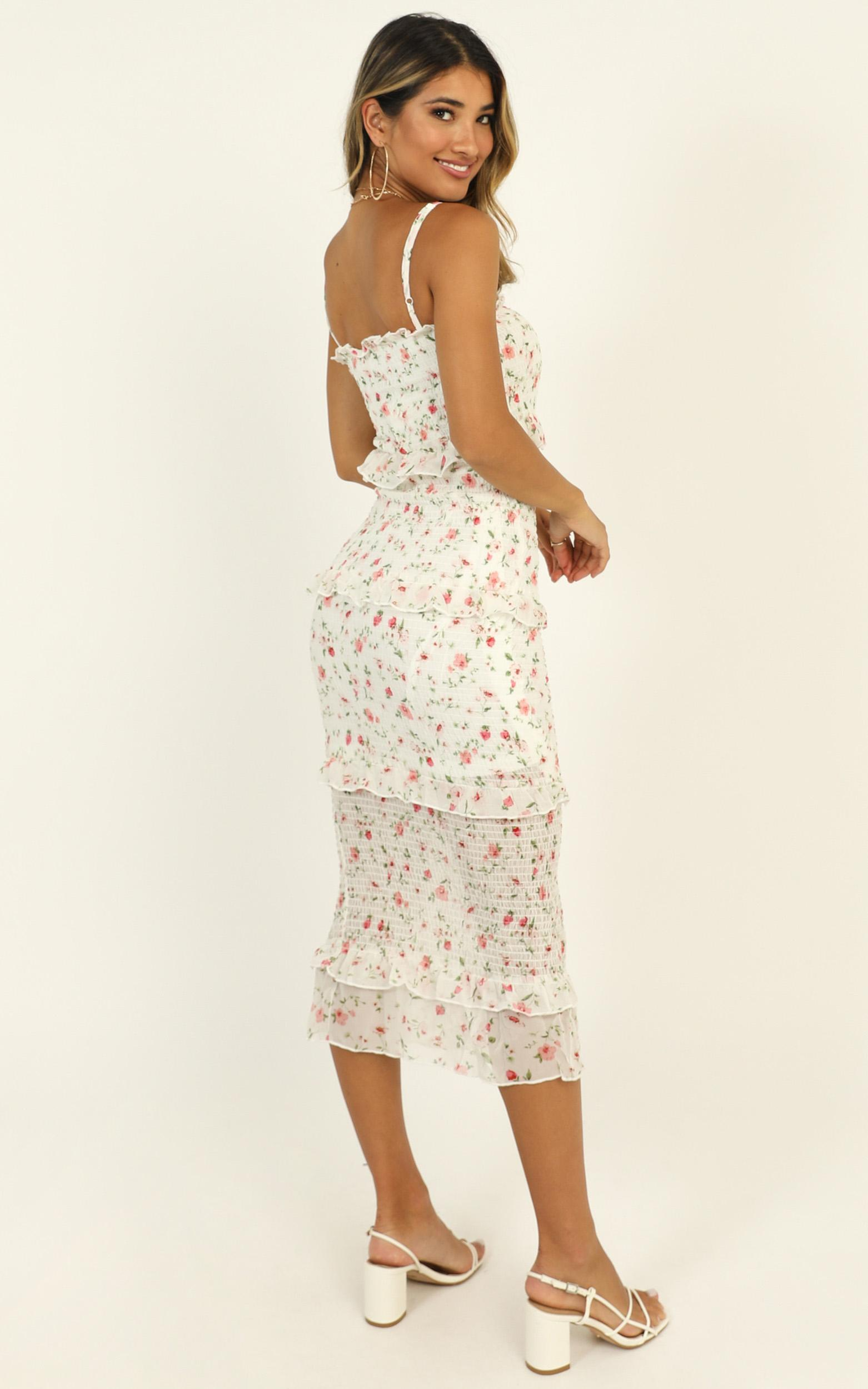 Joy Of Life dress in white floral - 12 (L), White, hi-res image number null