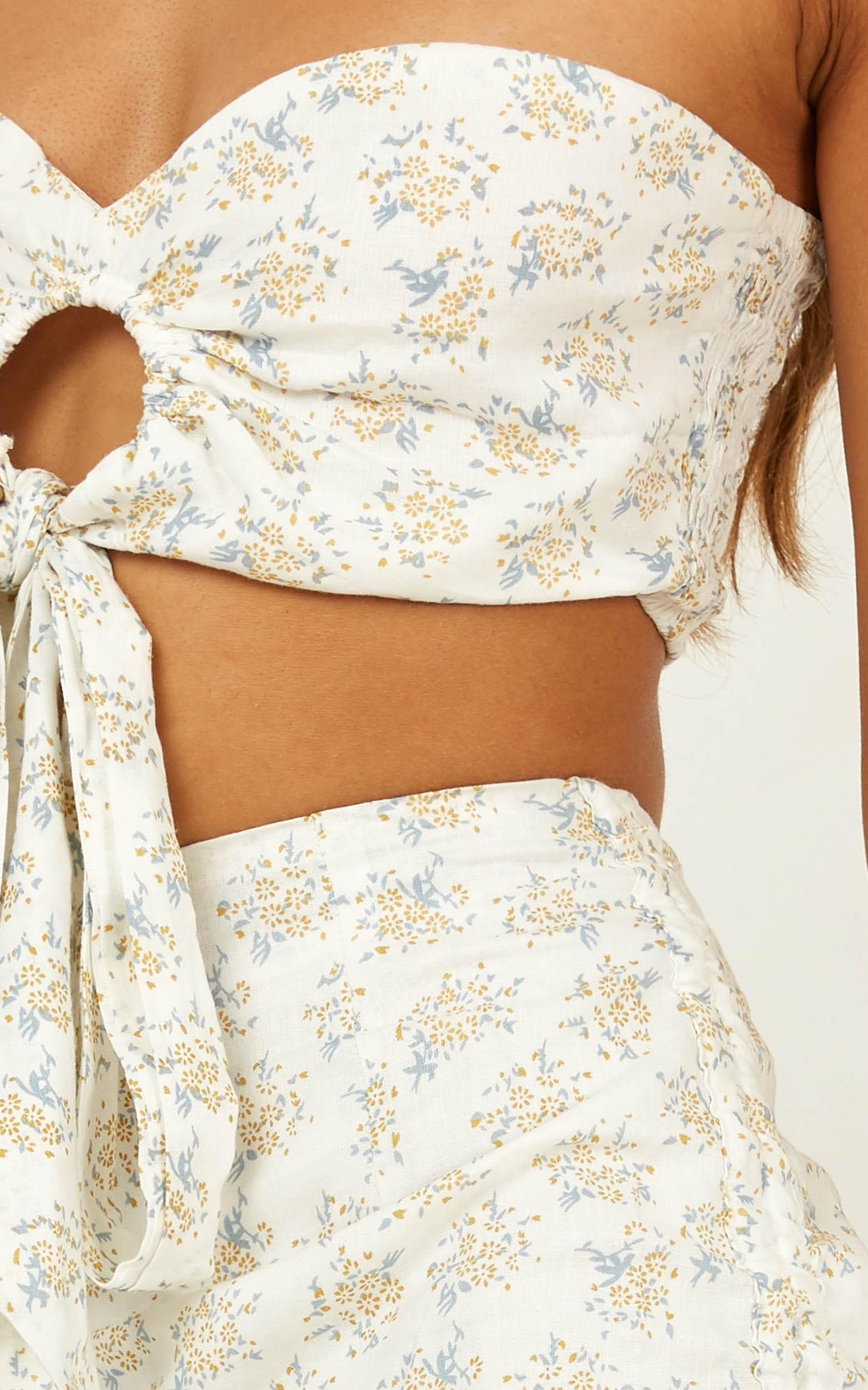 Dreams in Paris Skirt In white floral - 20 (XXXXL), White, hi-res image number null