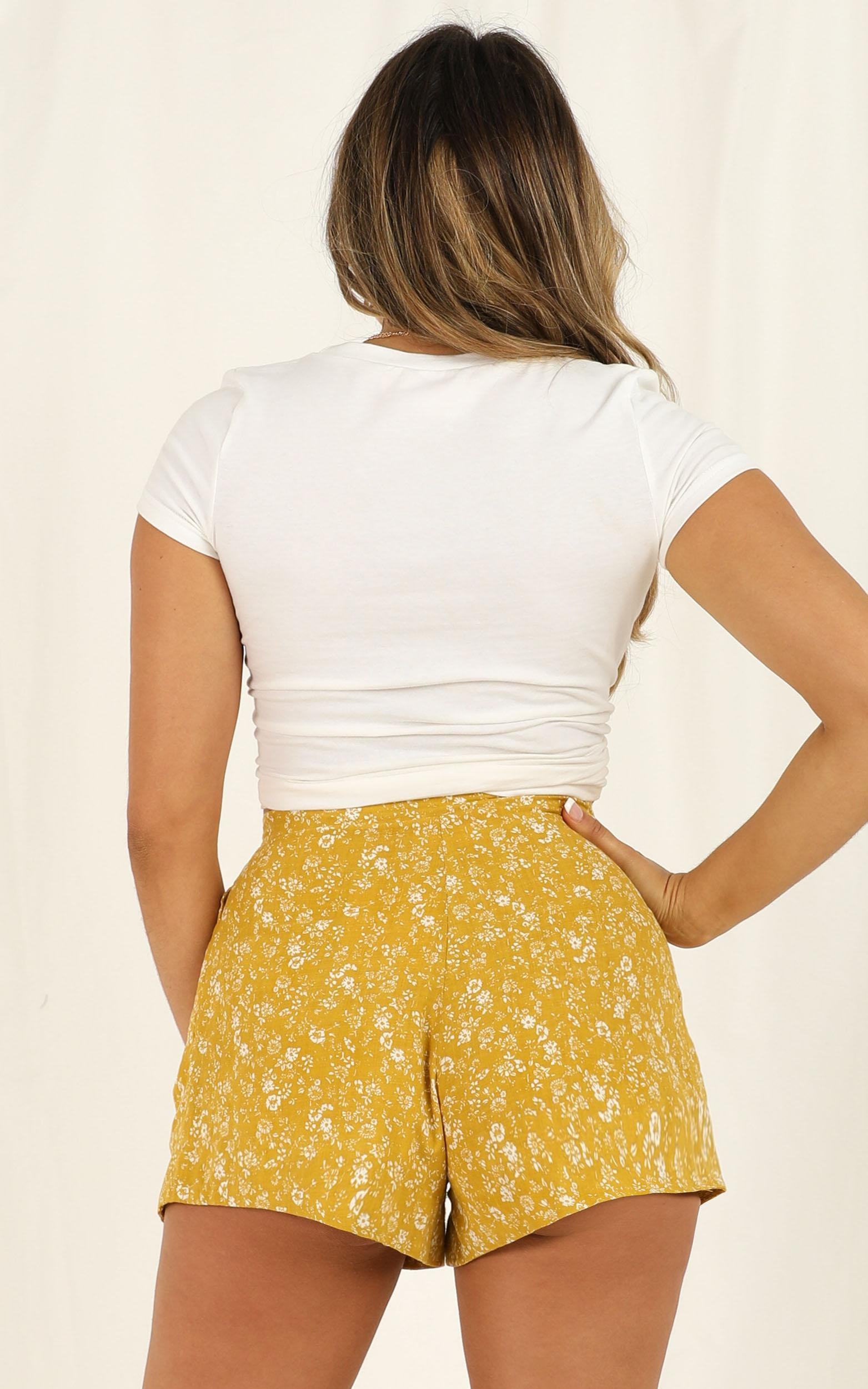Jewel Of The Night Shorts In Yellow Floral - 12 (L), Yellow, hi-res image number null