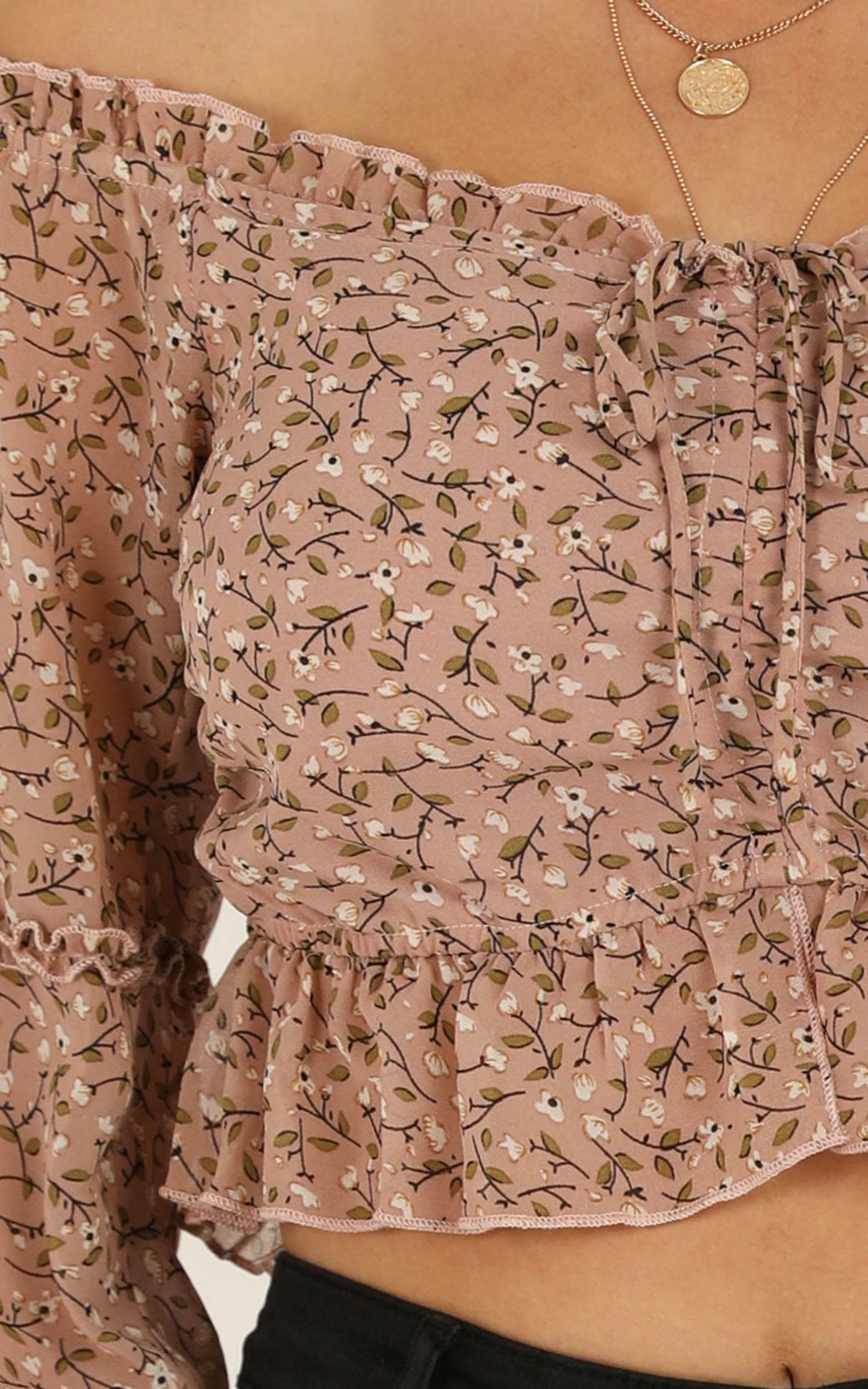 Hey There Delilah top in mocha floral - 12 (L), Mocha, hi-res image number null