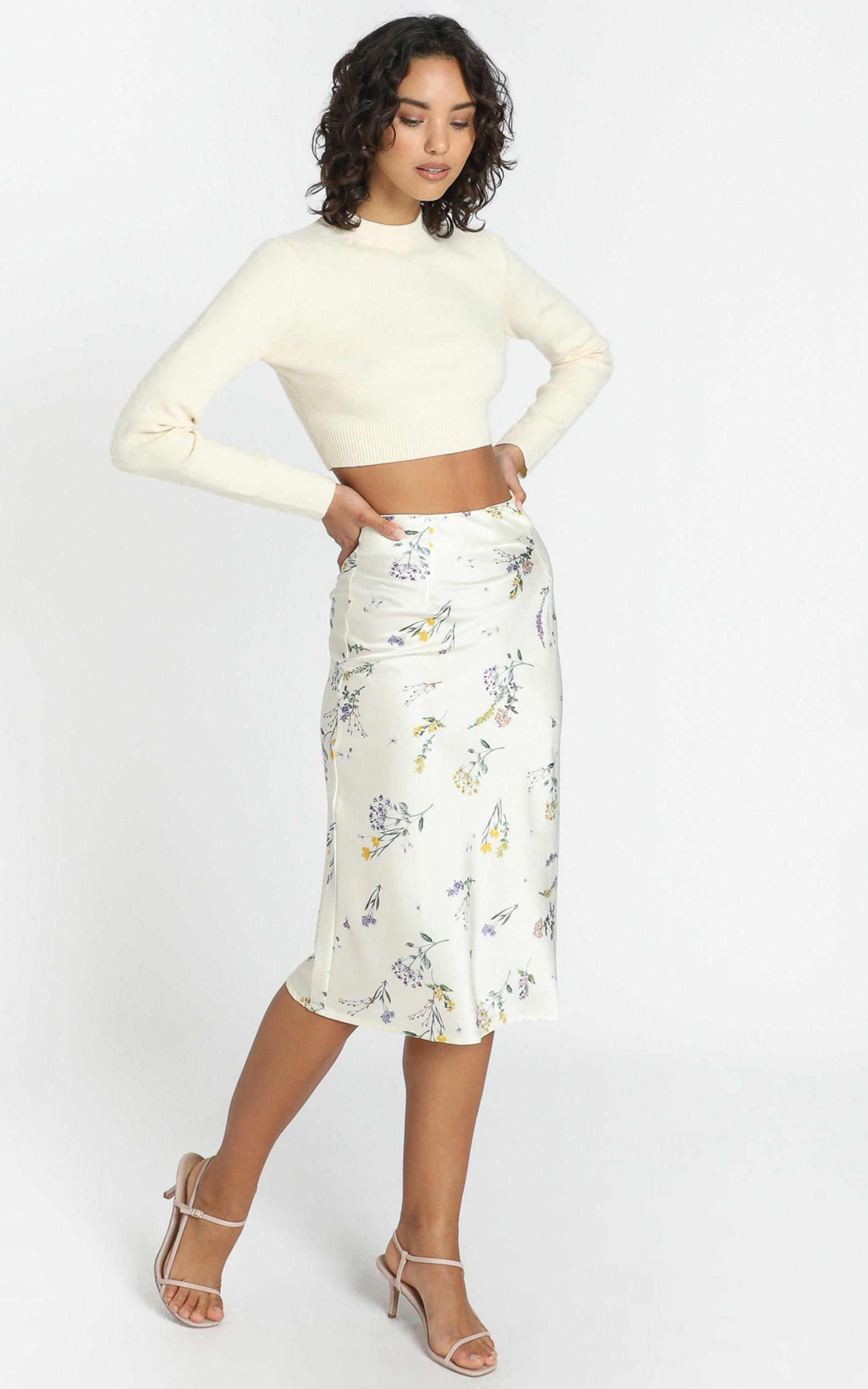 Creating Art Skirt in botanical floral - 4 (XXS), WHT1, hi-res image number null