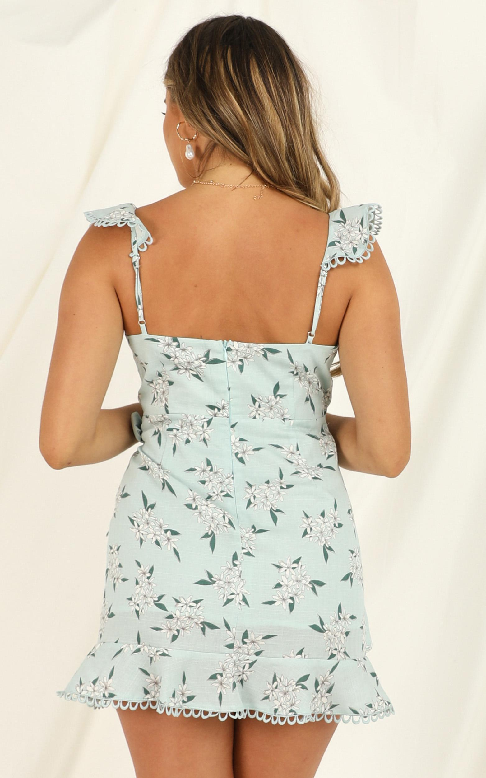 Weight Of The World Dress in sage floral - 20 (XXXXL), Sage, hi-res image number null