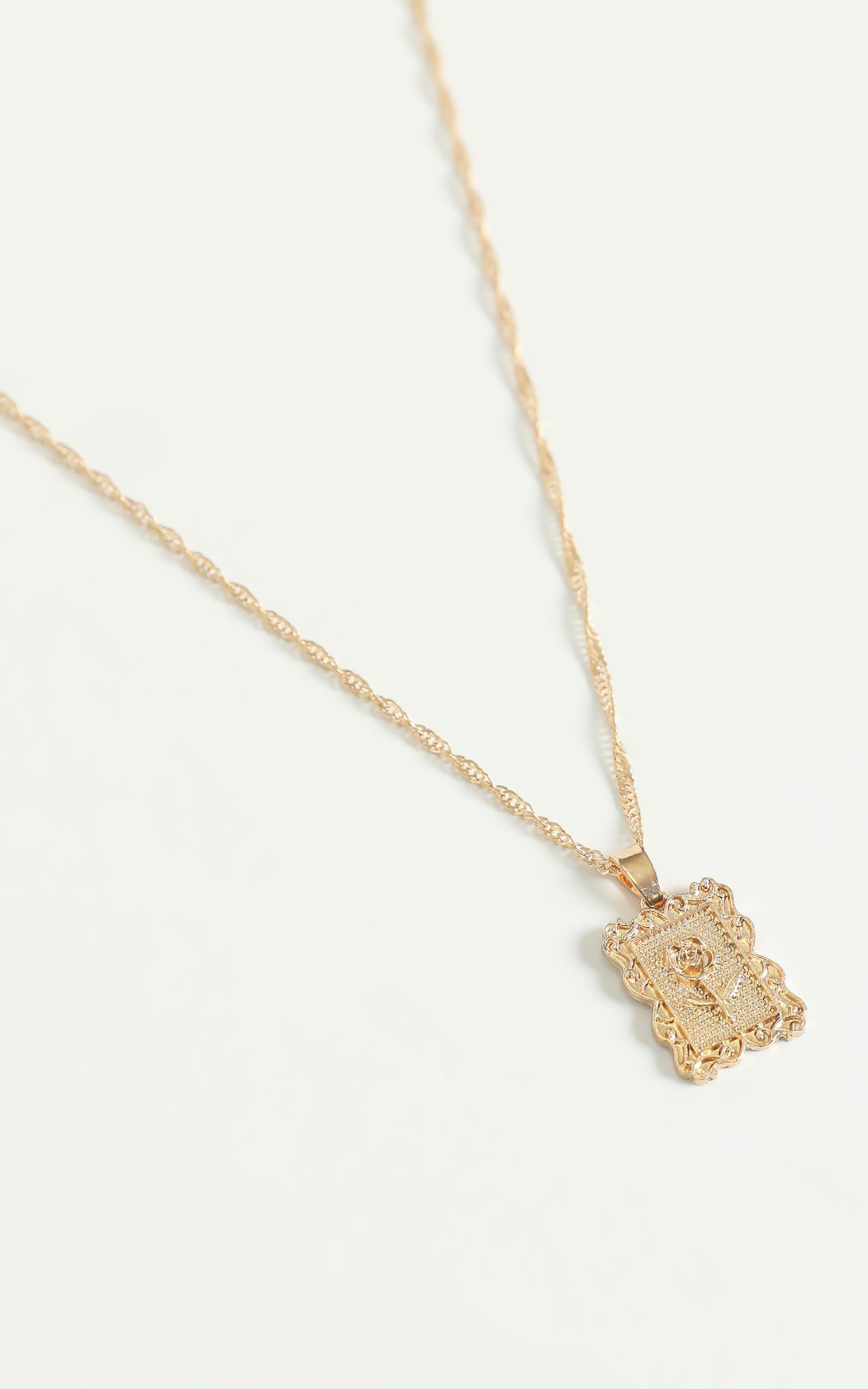 Portrait Rose Necklace in Gold, , hi-res image number null