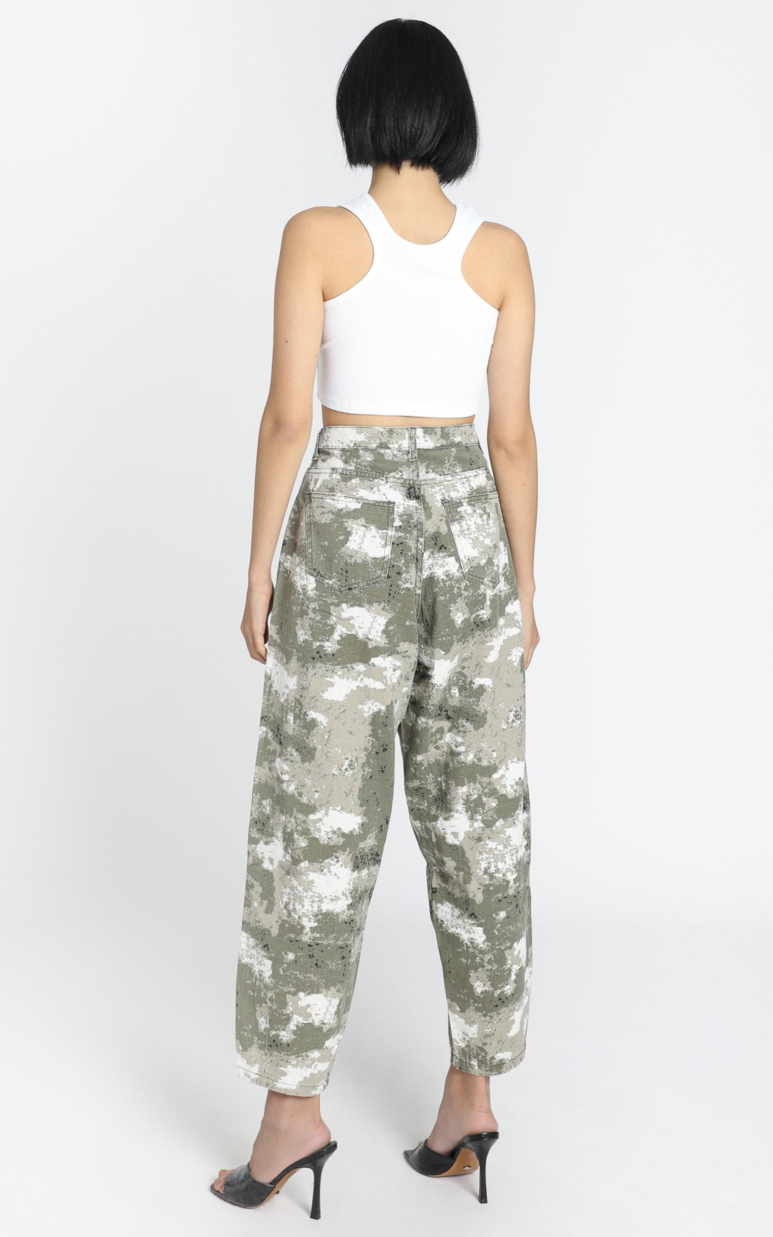 Lioness - On My Way Denim Jeans in Green Camo - 6 (XS), Green, hi-res image number null