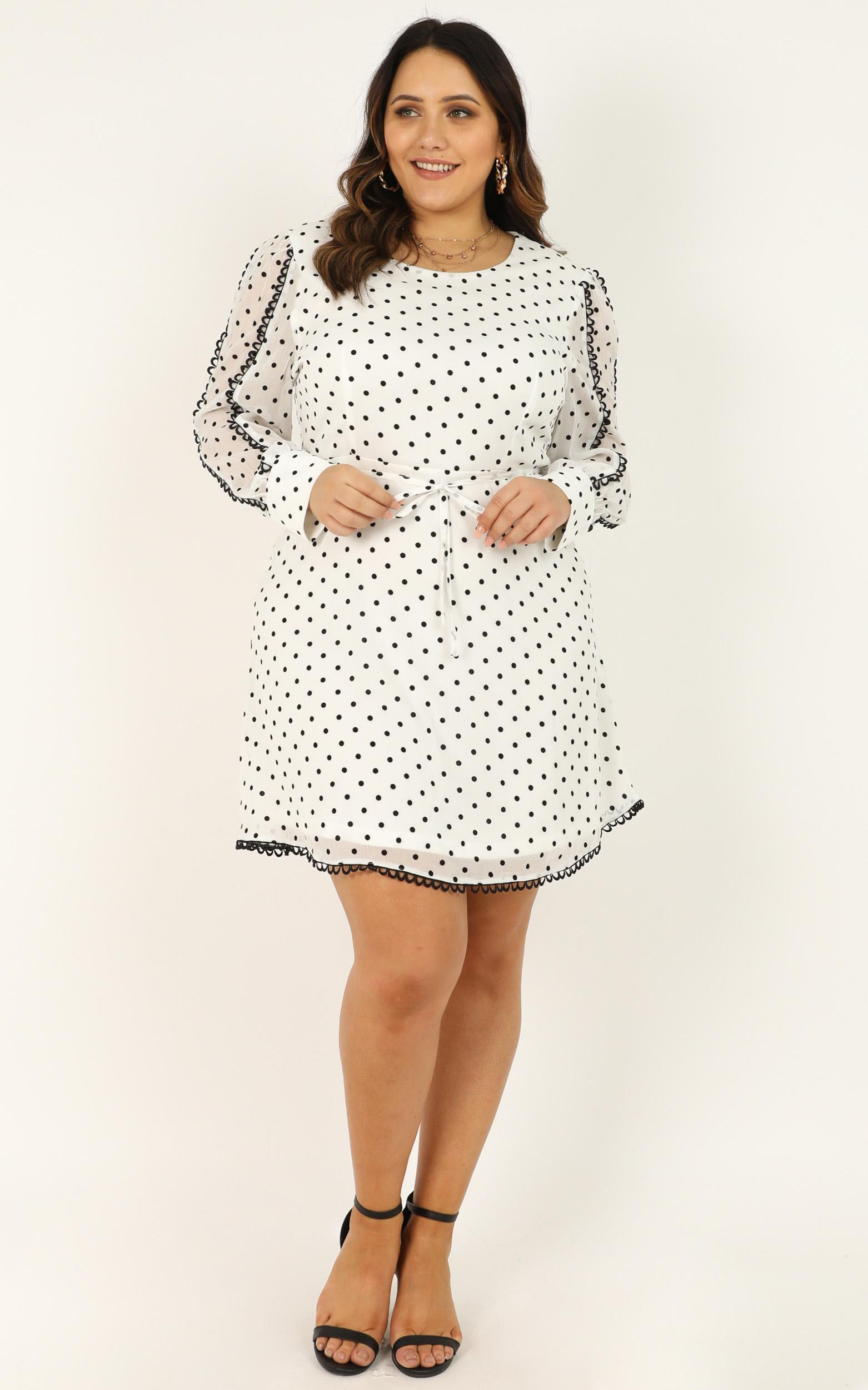Setting rules Dress in white spot- 20 (XXXXL), White, hi-res image number null
