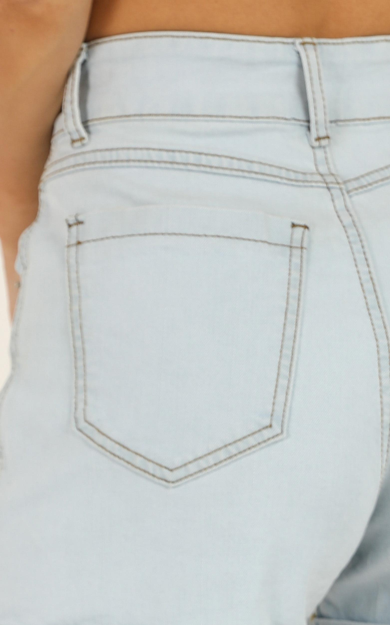 The Search Is Over shorts in light blue wash denim - 16 (XXL), Blue, hi-res image number null