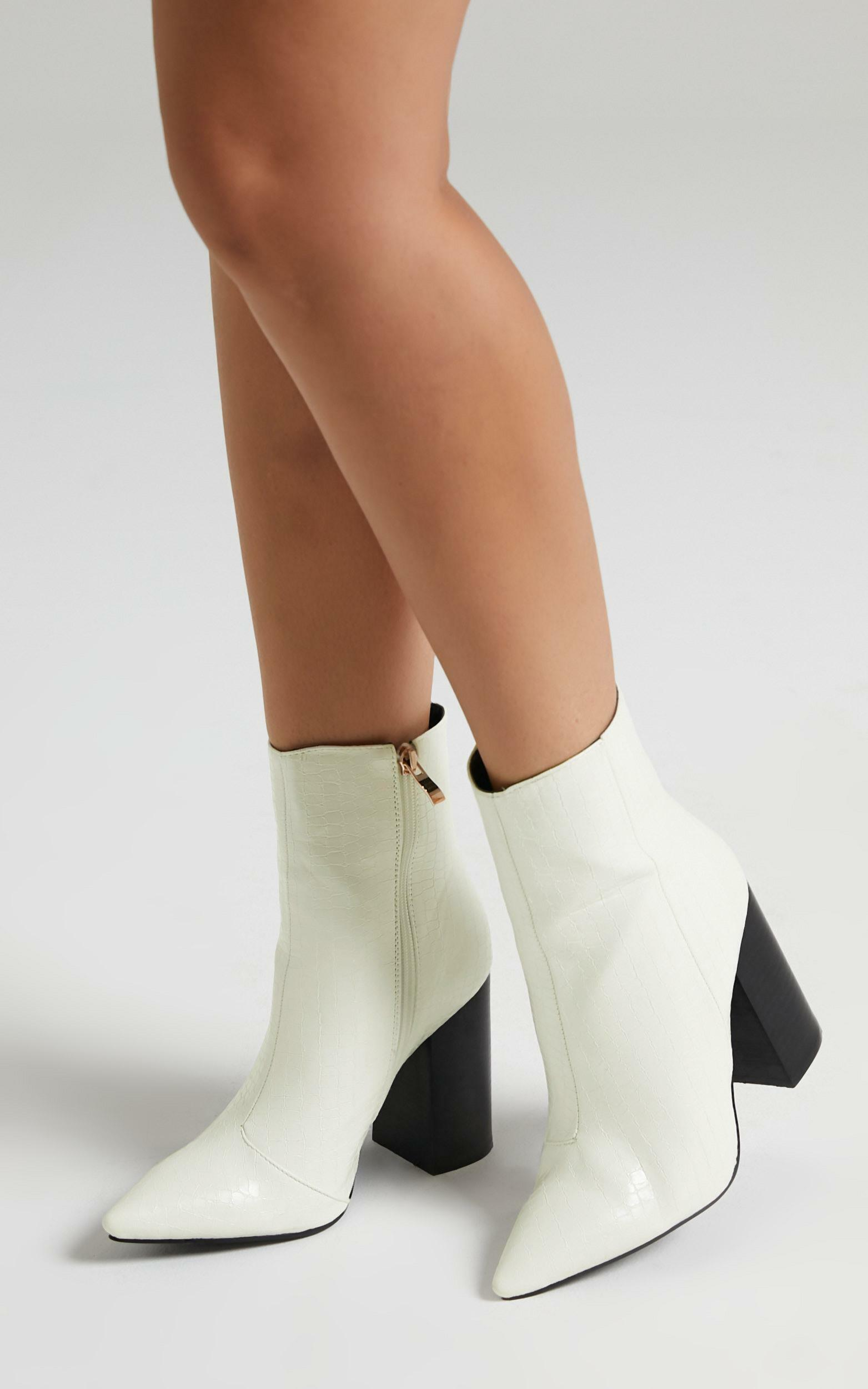 Billini - Tio Boots in White Gecko - 5, WHT2, hi-res image number null