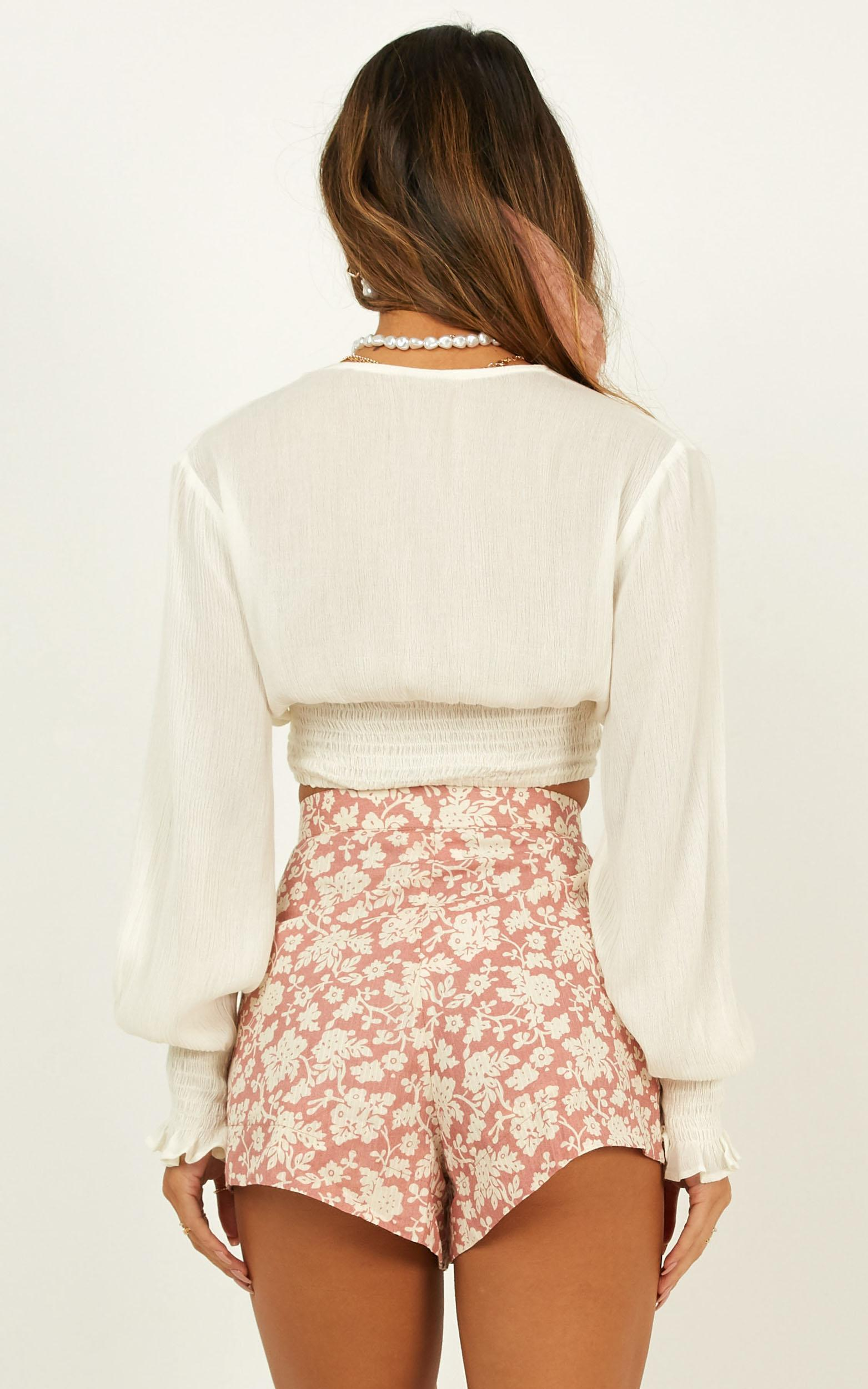 Jewel of the night Shorts in blush floral - 20 (XXXXL), Blush, hi-res image number null
