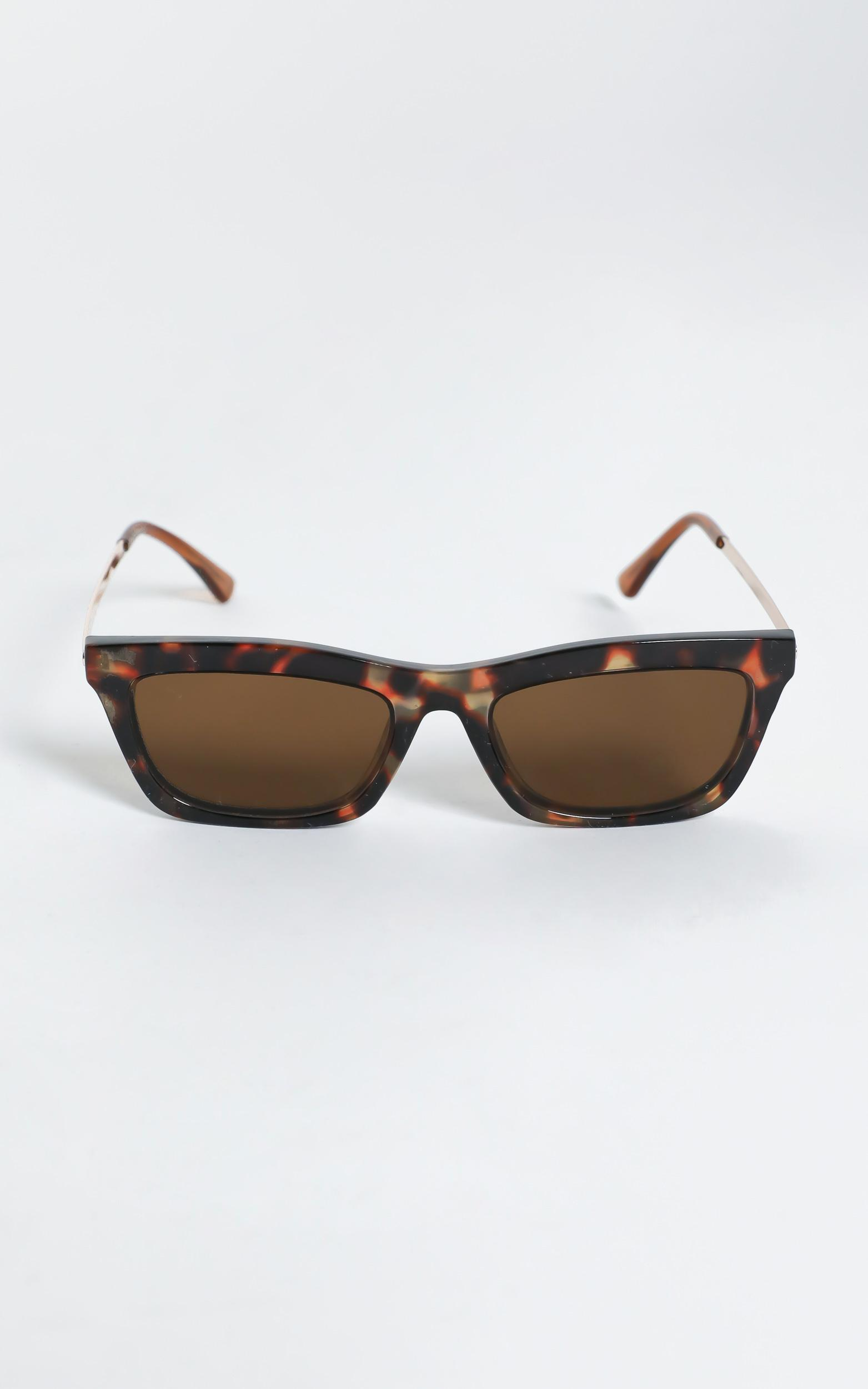 Reality Eyewear - Bowery Sunglasses in Turtle, Brown, hi-res image number null