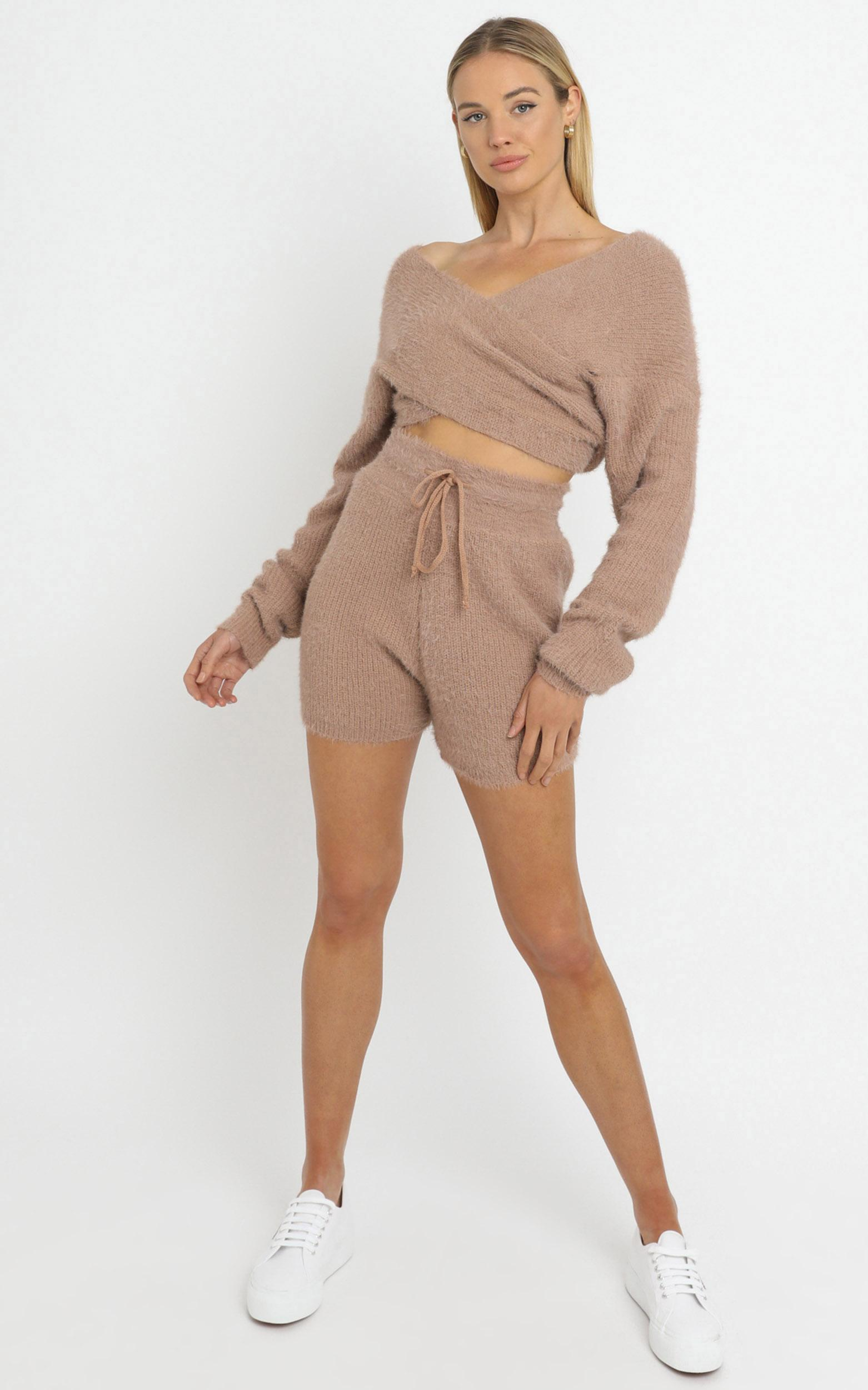 Cameron Two Piece Set in Mocha - M/L, CRE1, hi-res image number null