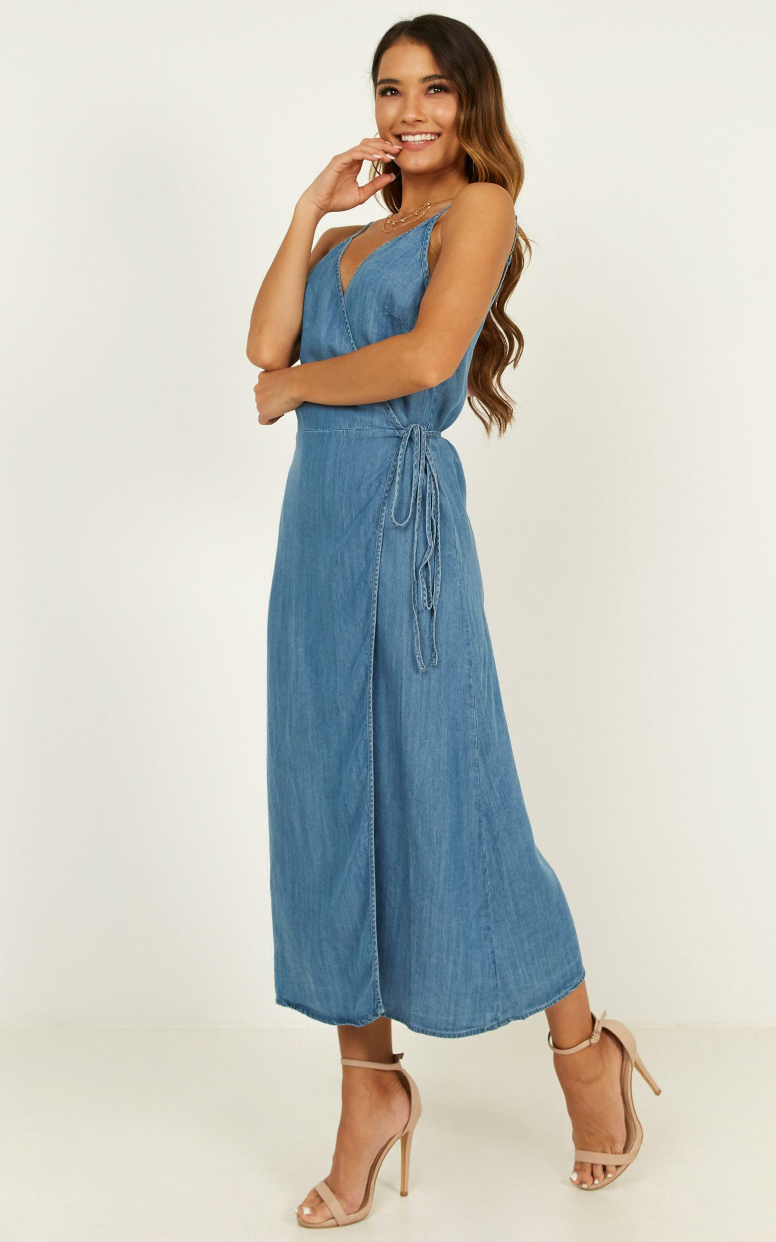 Perfect Remedy denim dress in mid wash - 12 (L), Blue, hi-res image number null