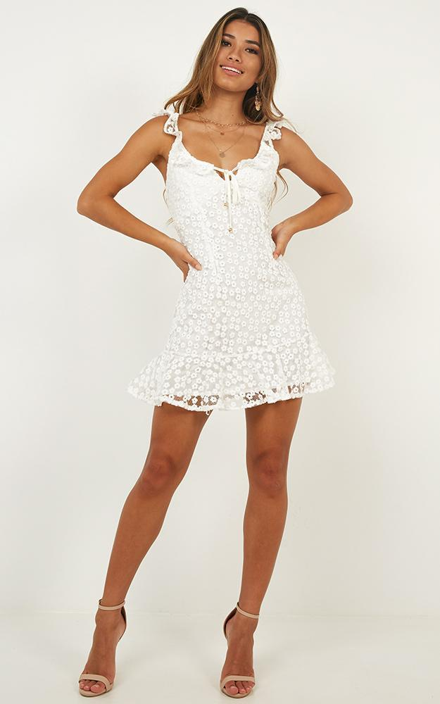 Basic Needs Dress in white floral - 12 (L), White, hi-res image number null