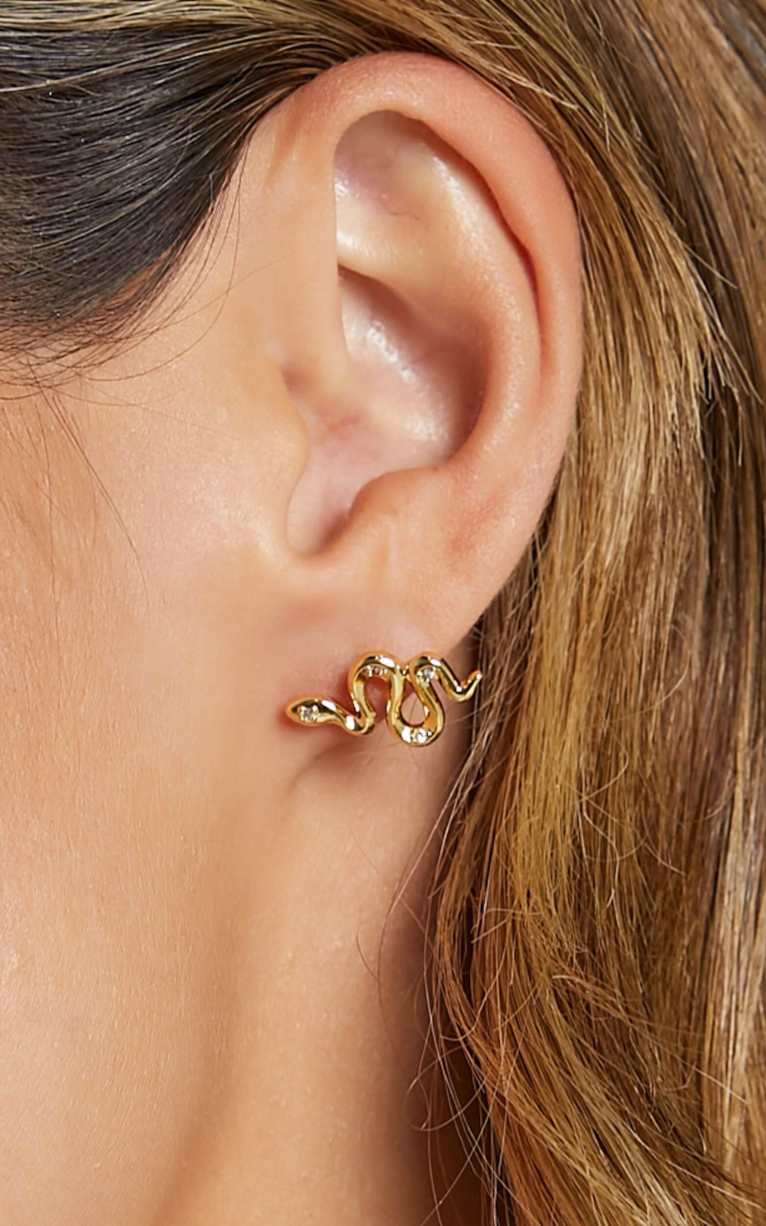 Izoa - Snake Stud Earrings in Gold, GLD1, hi-res image number null