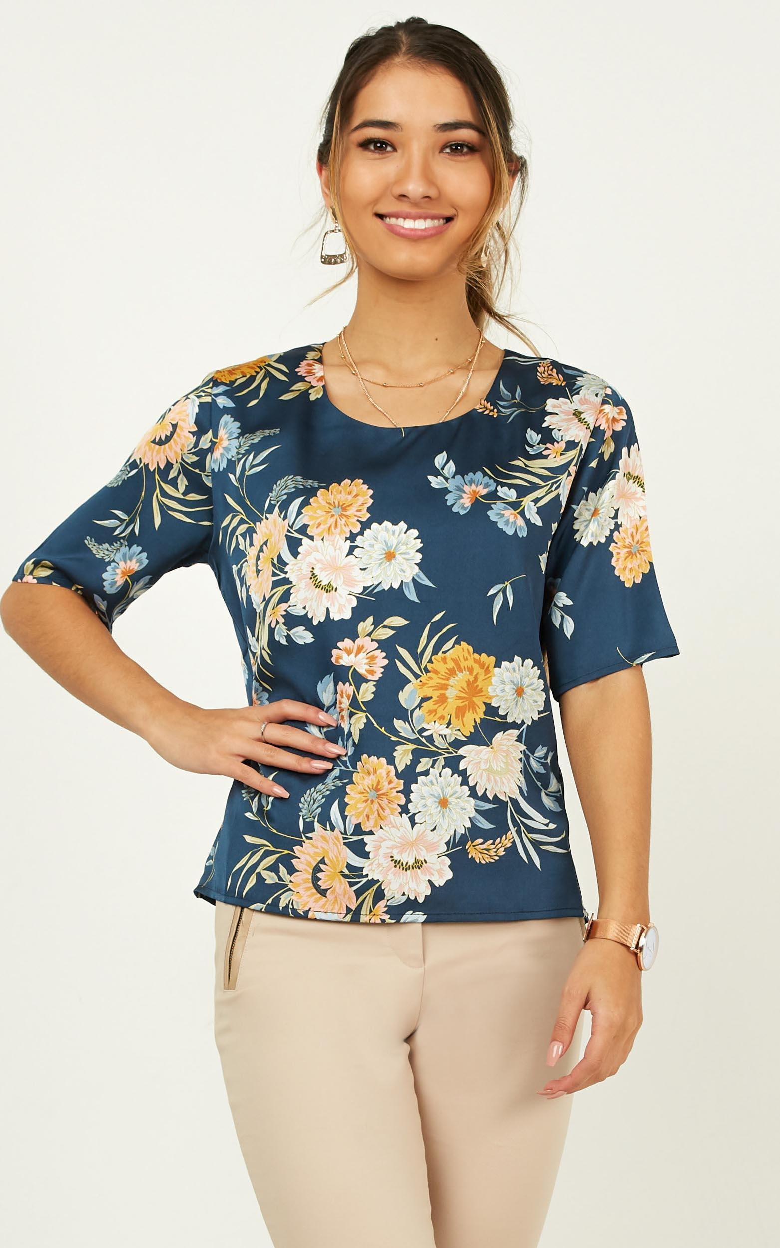 Guidance Top in navy floral - 20 (XXXXL), Navy, hi-res image number null