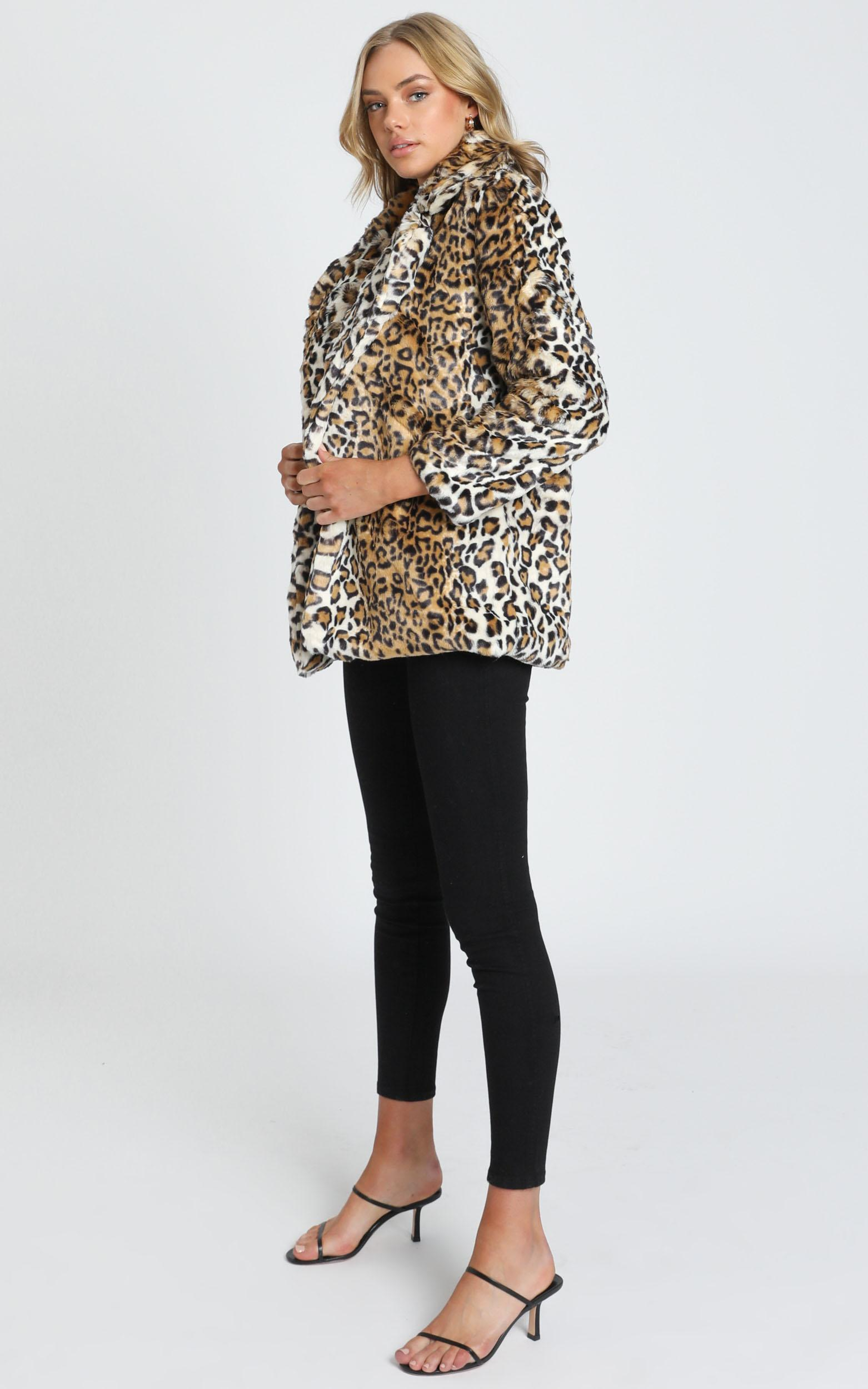 Eugenia Faux Fur Coat in leopard print - S, Brown, hi-res image number null