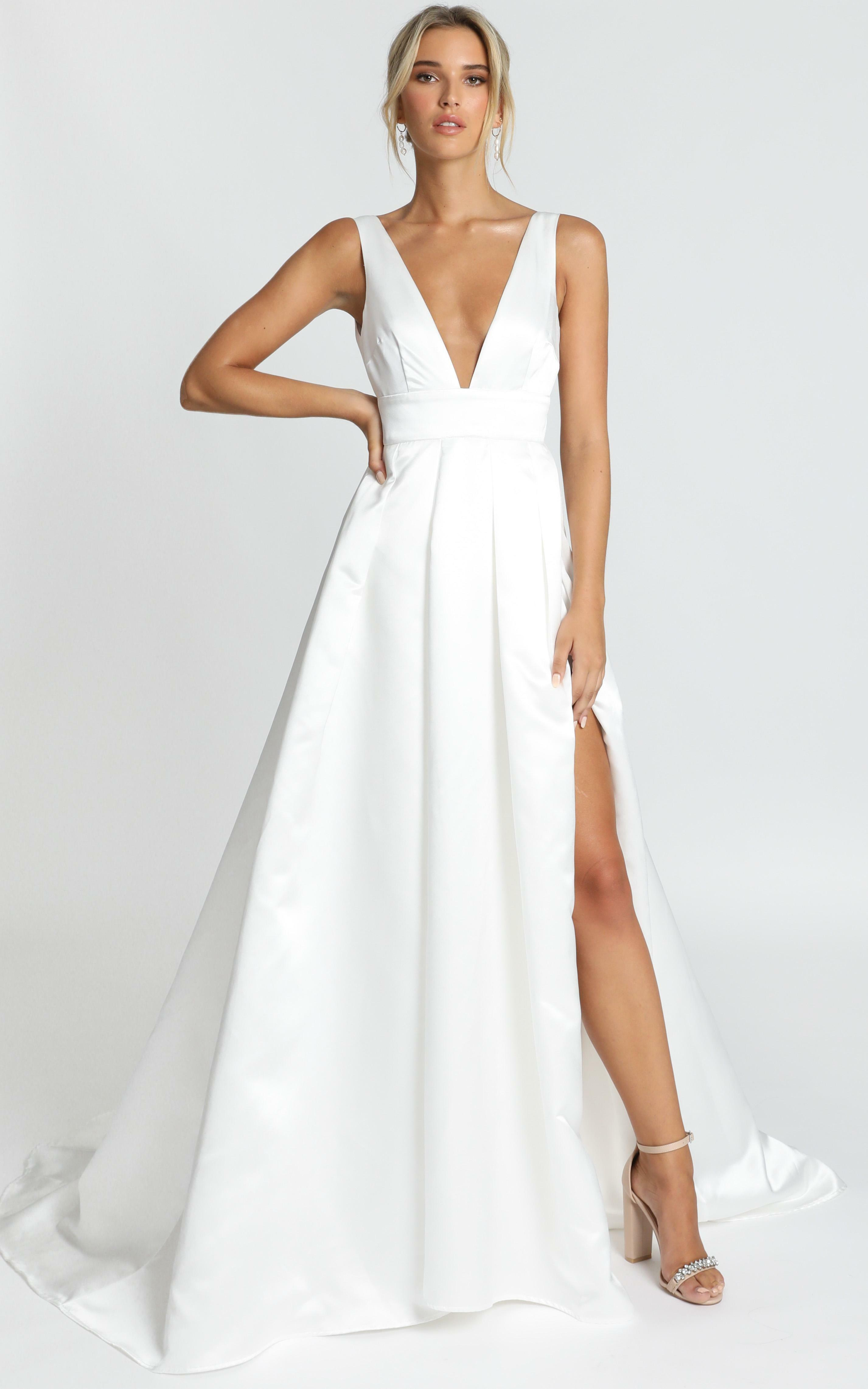 Eyes Of The Beholder Gown in white - 6 (XS), White, hi-res image number null
