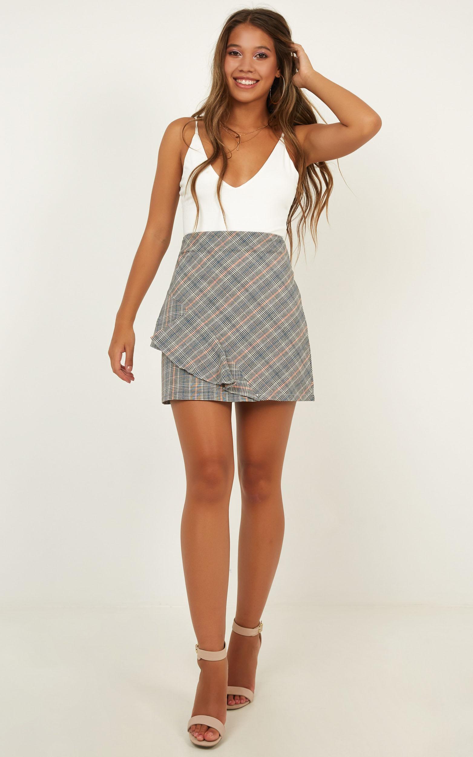 Cosmopolitan Dreams skirt in grey check - 12 (L), Grey, hi-res image number null