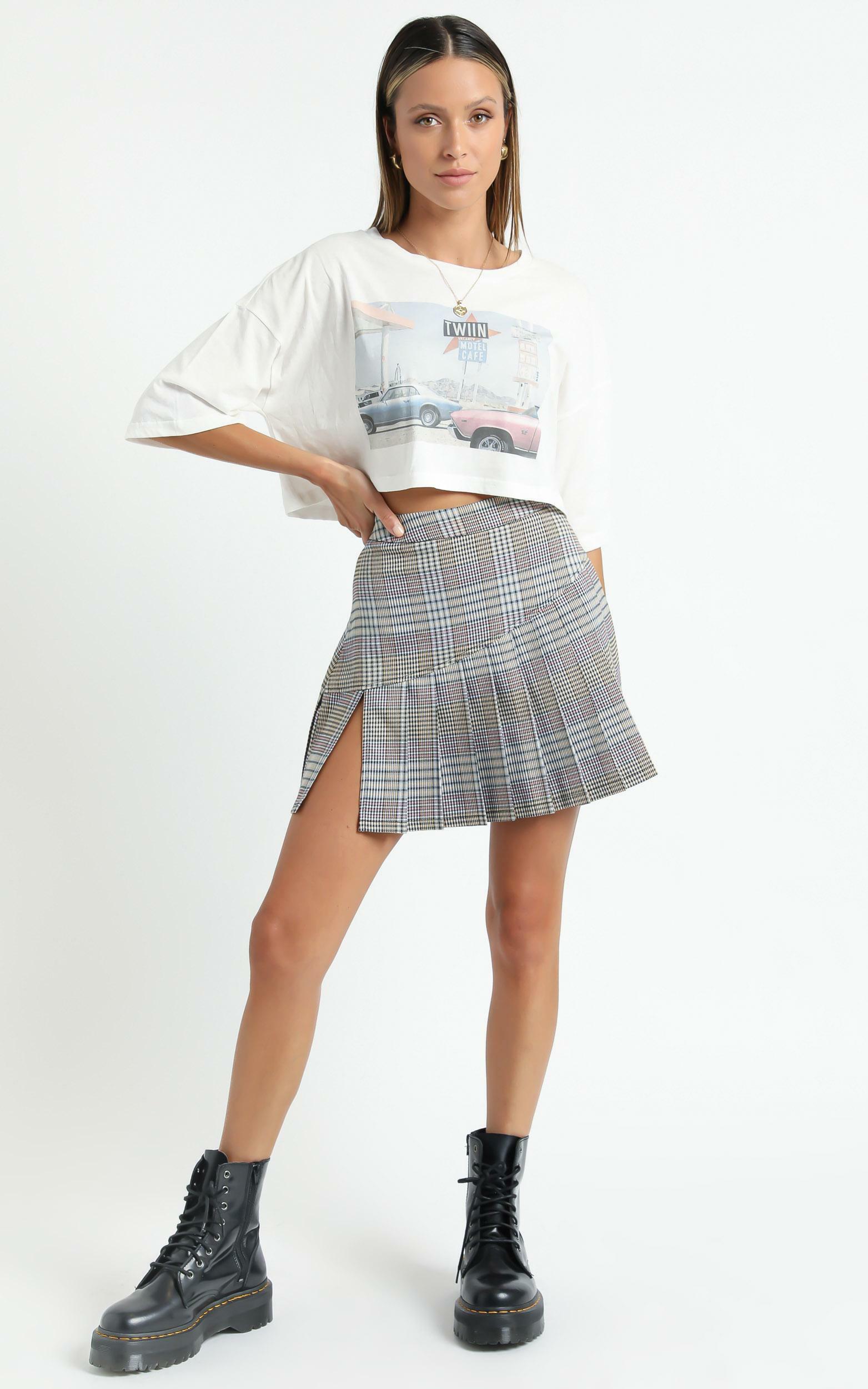 Twiin - Depict Mini Skirt in Multi - XS, Grey, hi-res image number null