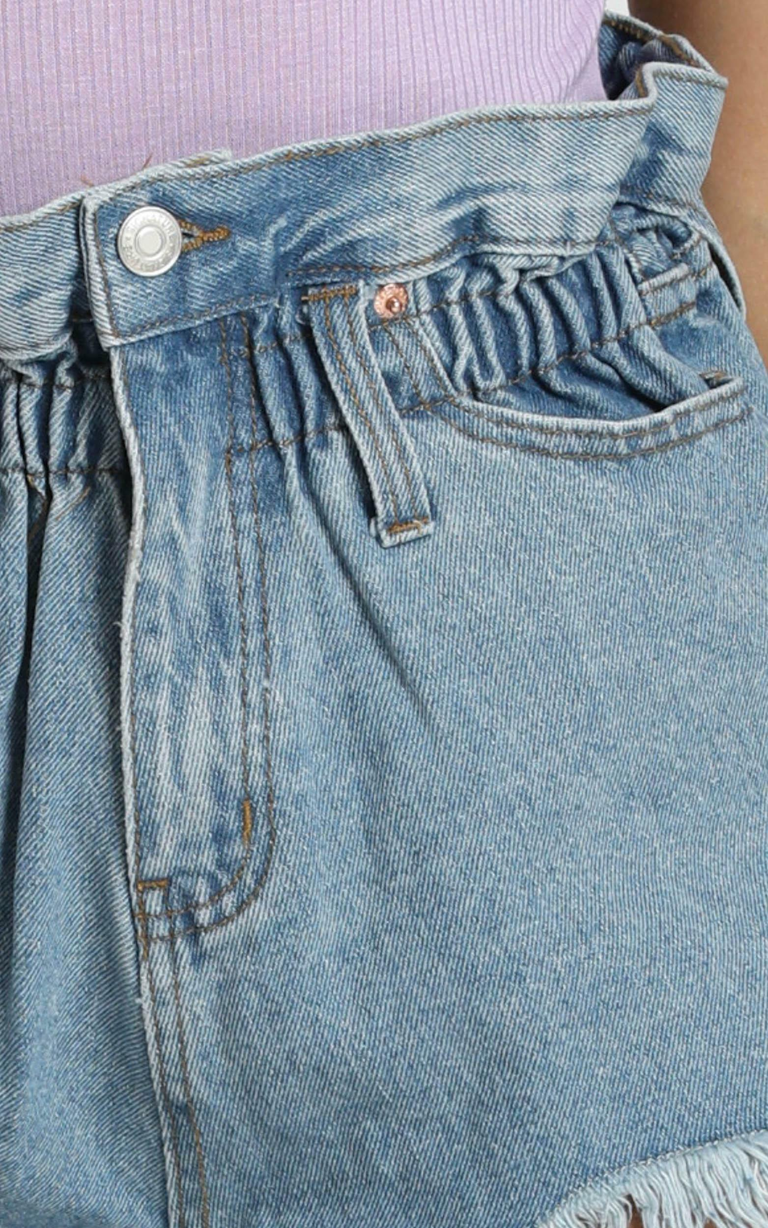 Wannabe Babe Shorts in Mid Wash - 8 (S), Blue, hi-res image number null