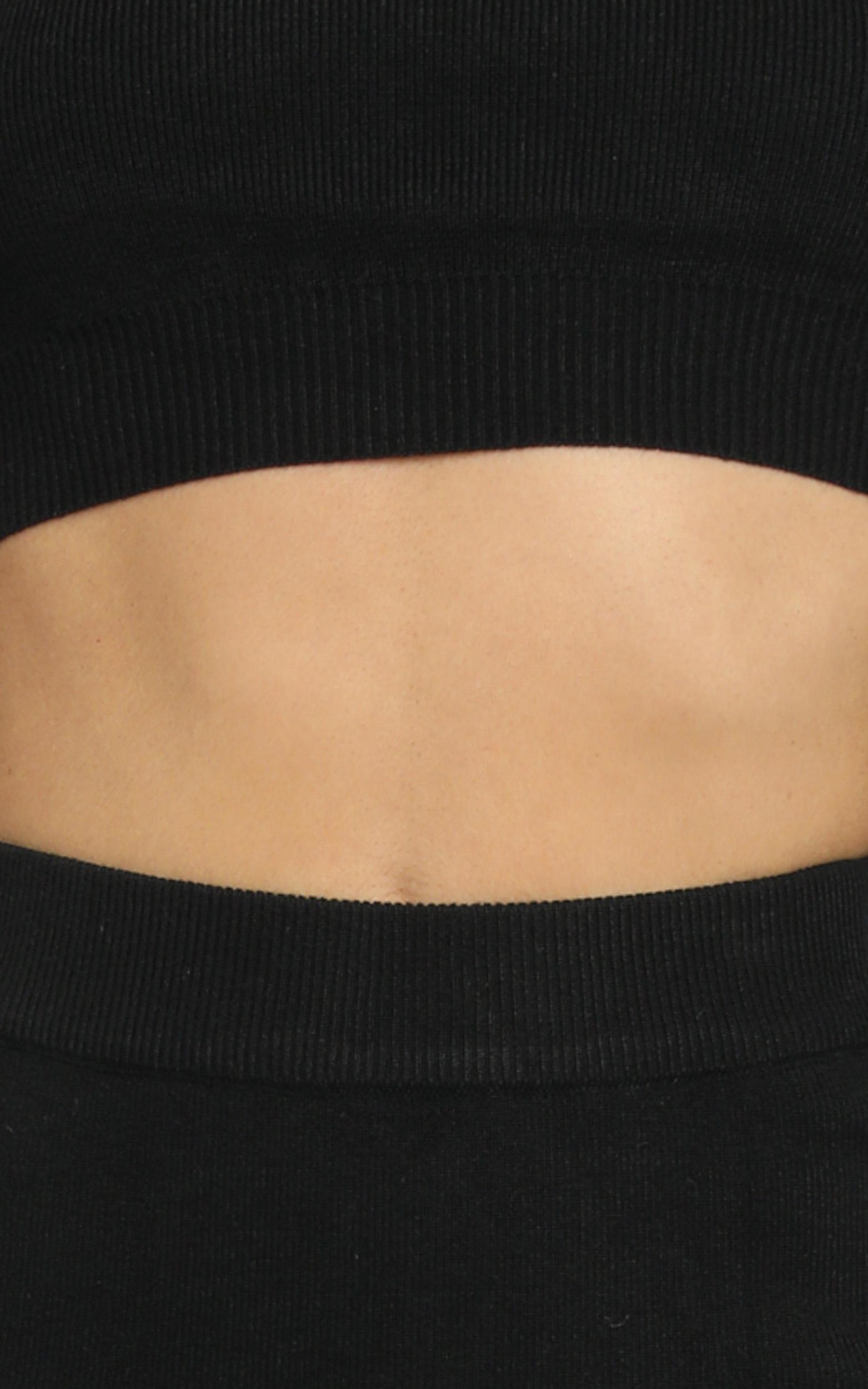 Tori Two Piece Set in Black - 12 (L), Black, hi-res image number null