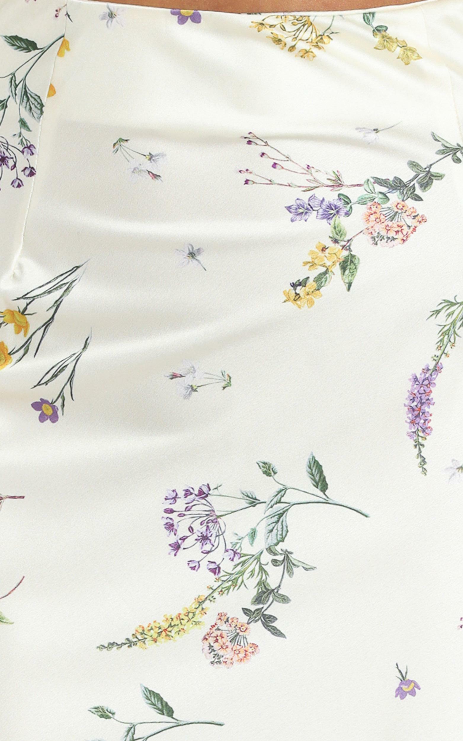Creating Art Skirt in botanical floral - 4 (XXS), White, hi-res image number null