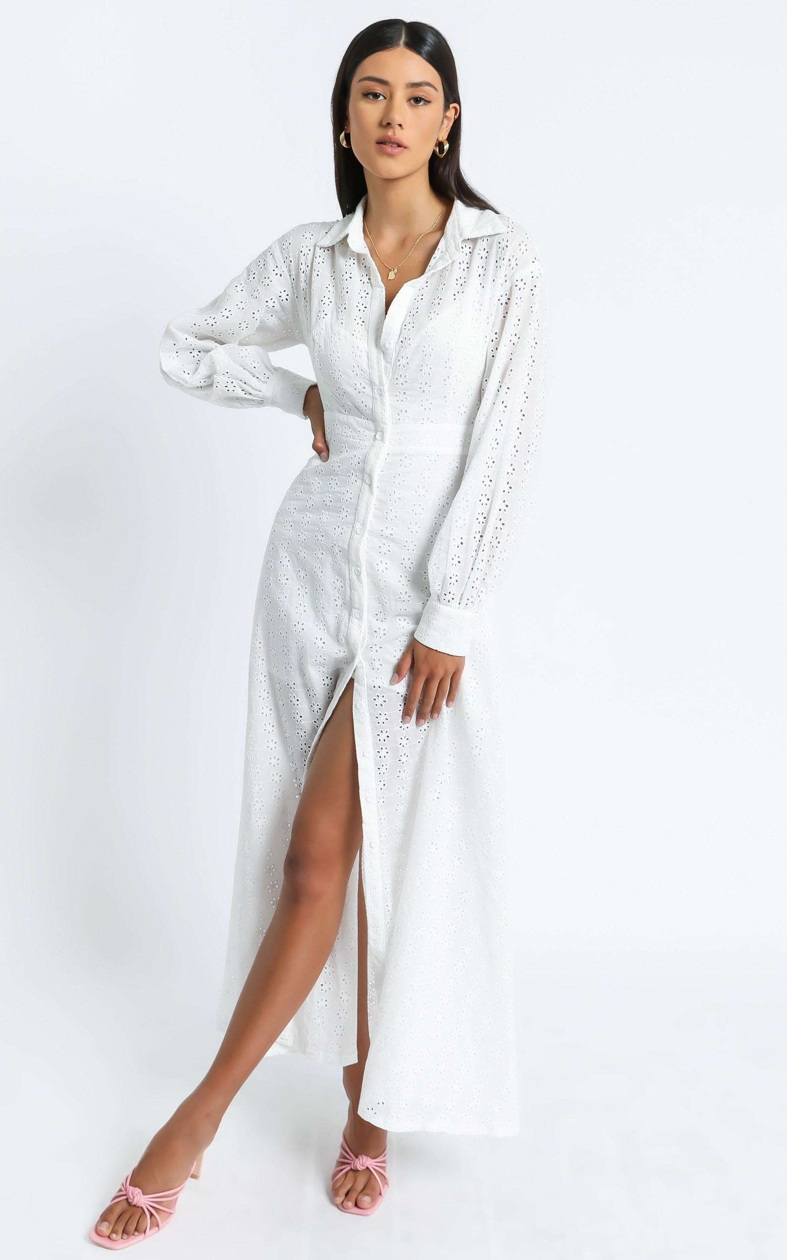 Niomie Embroidery Dress in White - 6 (XS), White, hi-res image number null