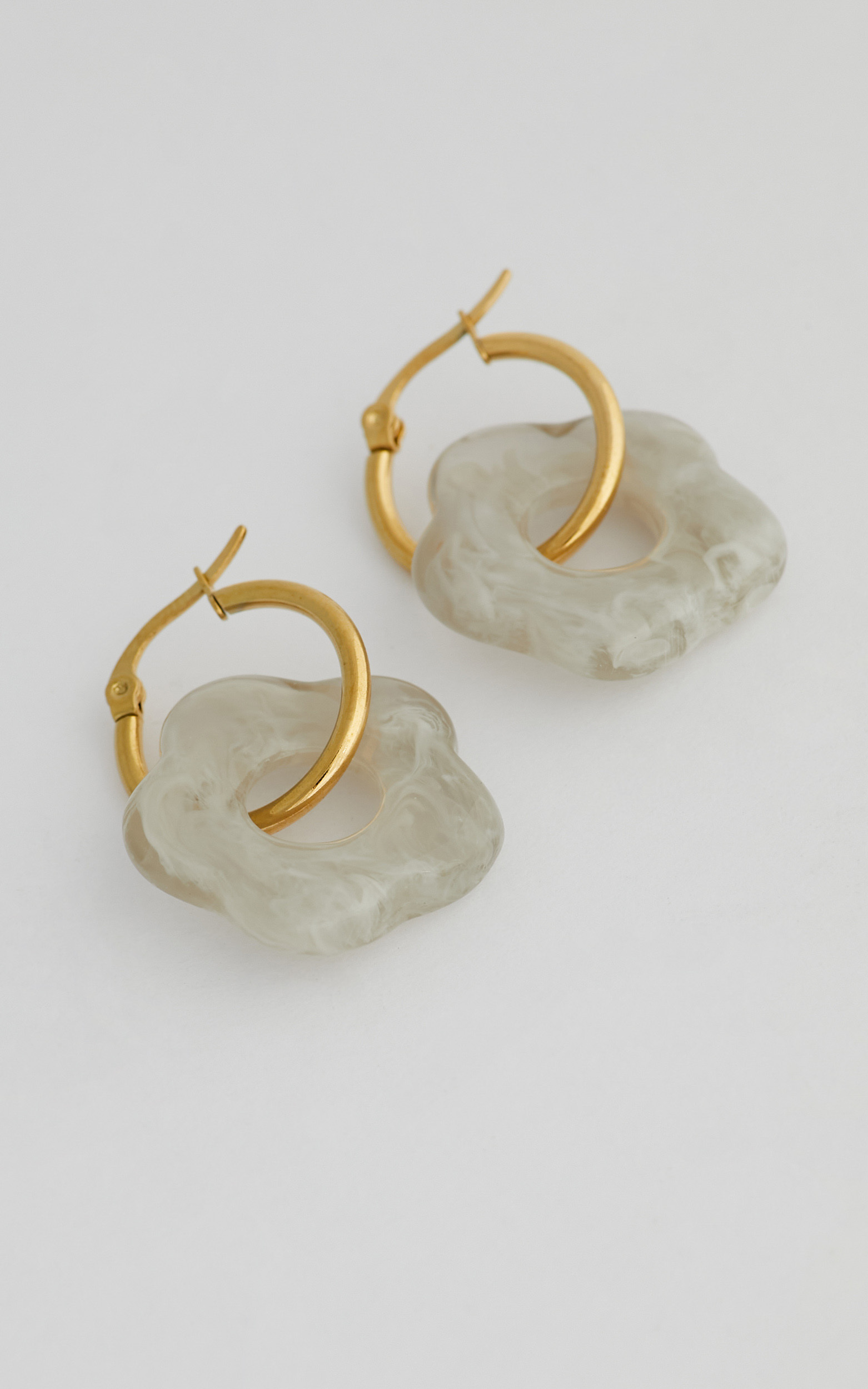 Kylie Flower Earrings in White - NoSize, WHT3, hi-res image number null