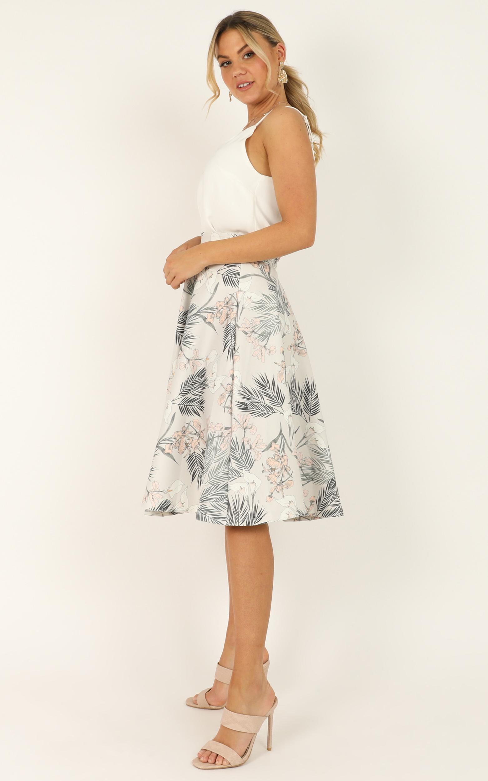Whirlwind midi skirt in grey floral - 18 (XXXL), Grey, hi-res image number null